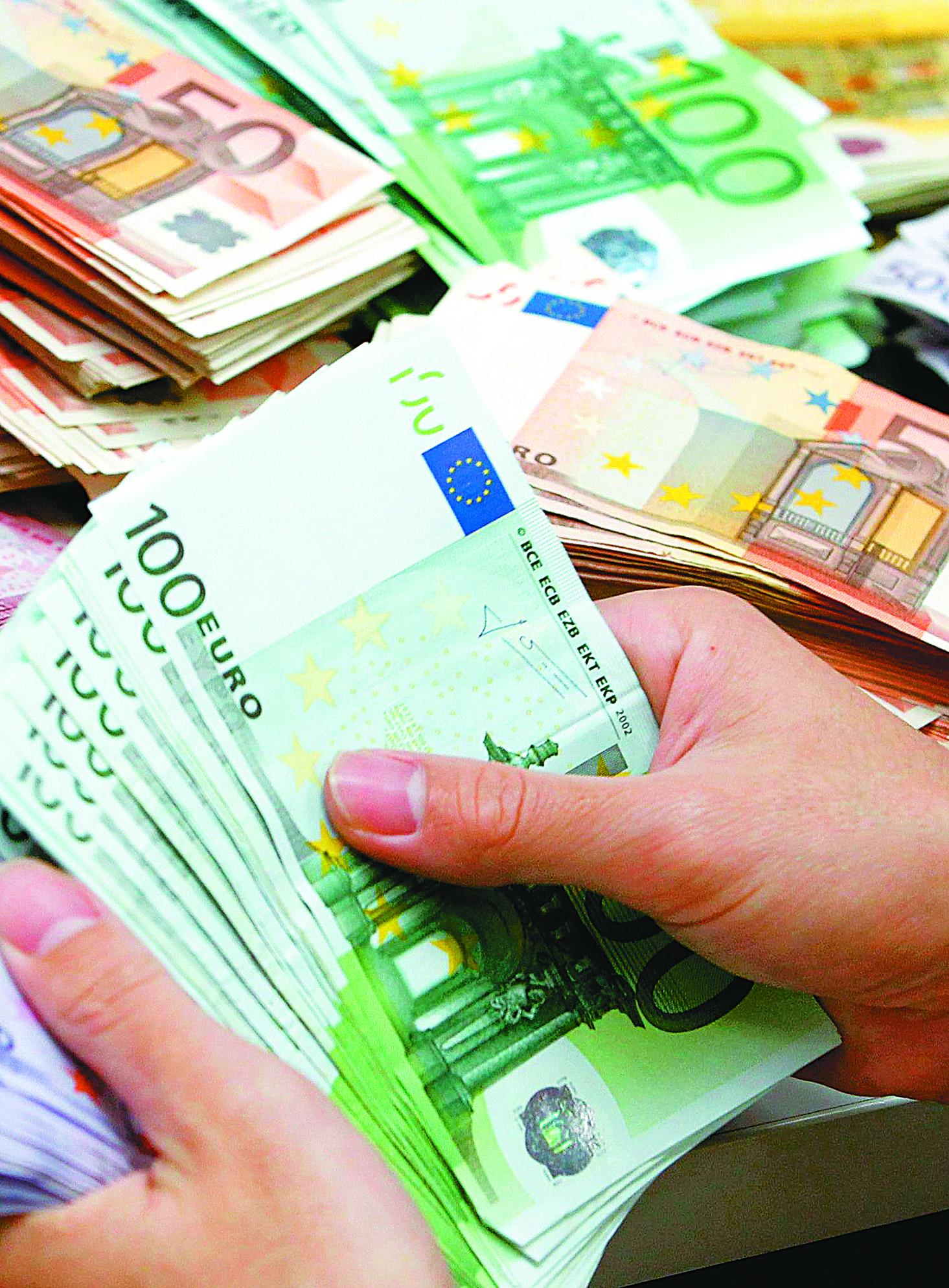 Ερίζουν κυβέρνηση και ΝΔ για το ευρωομόλογο   tovima.gr