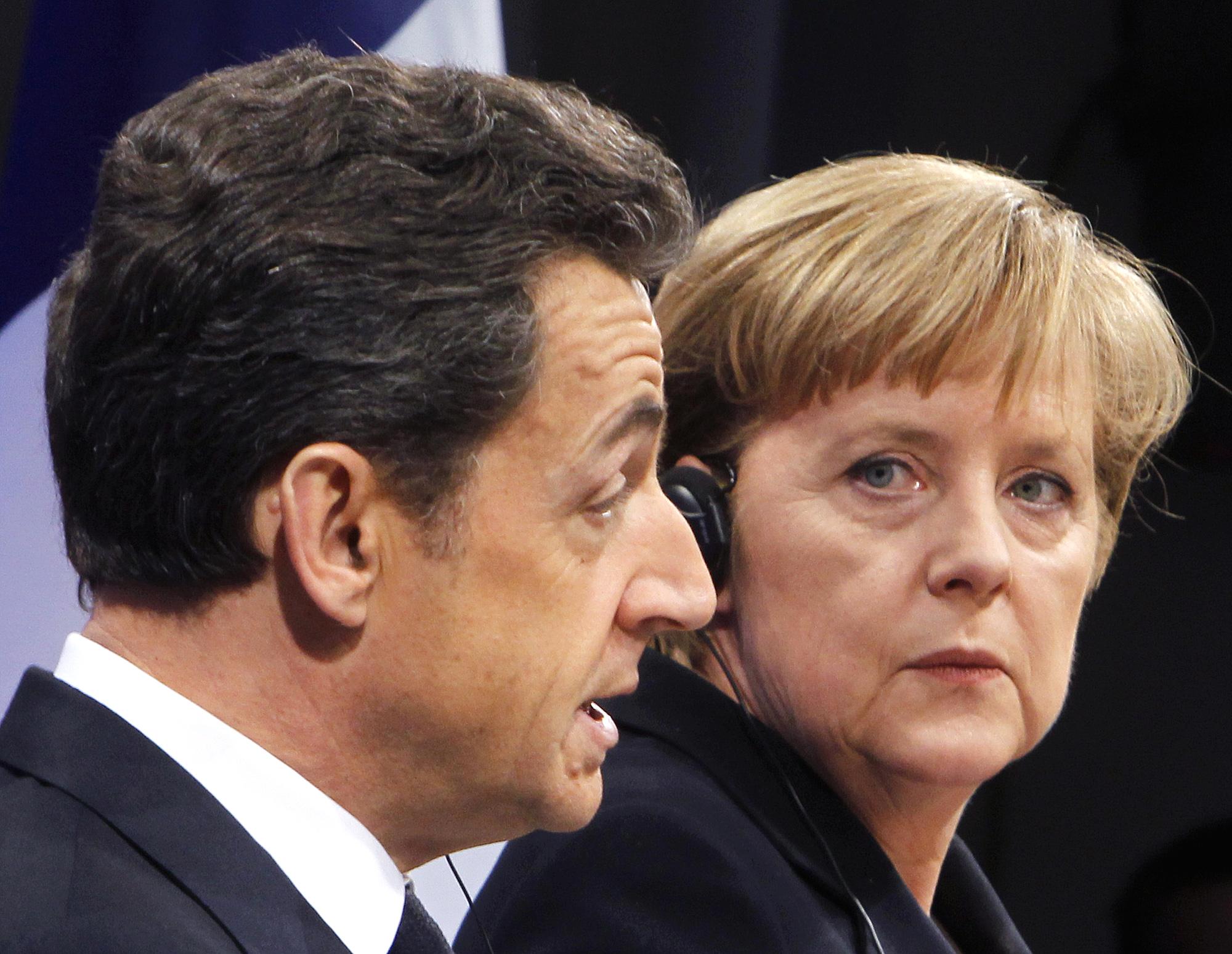 Οι Γερμανοί δεν εμπιστεύονται ούτε τη Μέρκελ ούτε τον Σαρκοζί για την επίλυση της κρίσης | tovima.gr