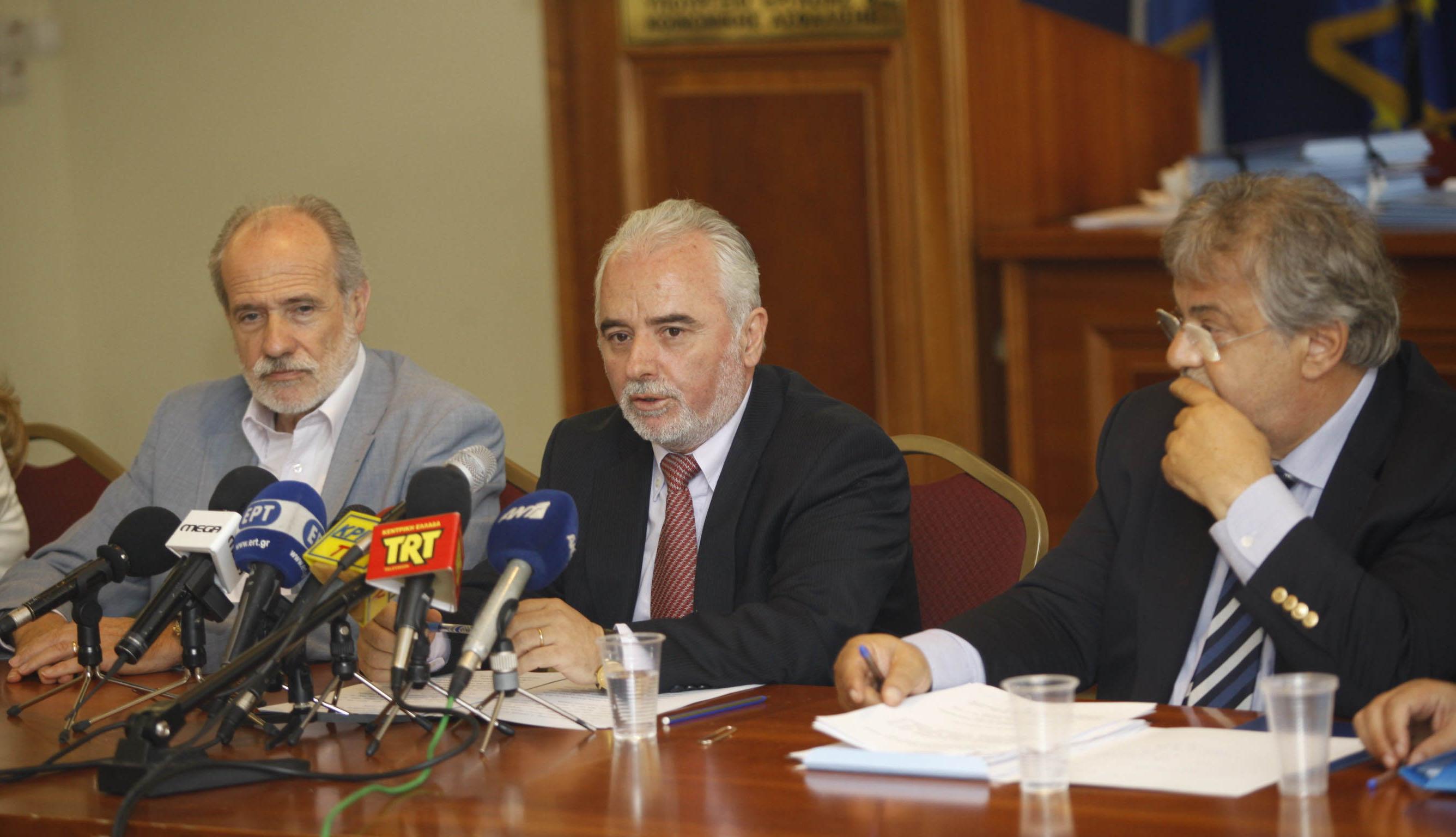 Κάνει πίσω η κυβέρνηση στο «κούρεμα» των παροχών αναπήρων | tovima.gr
