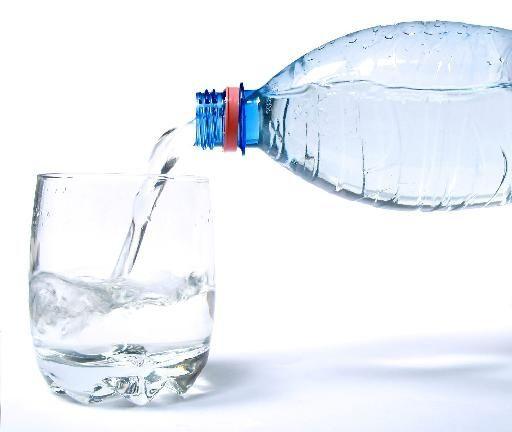 ΕΦΕΤ: Προσωρινή αναστολή λειτουργίας για εταιρεία εμφιαλωμένου νερού | tovima.gr