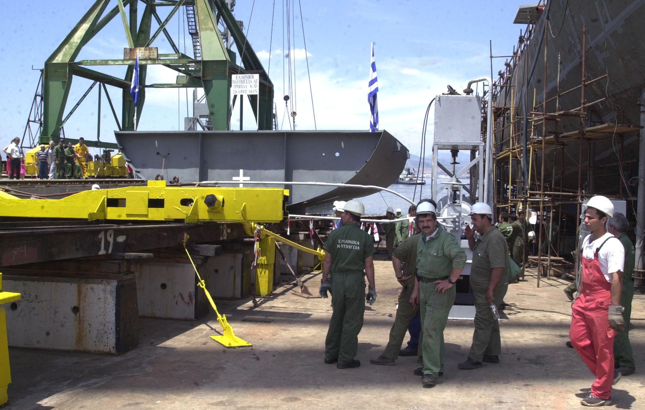 Ζημιές 57 εκατ.ευρώ το 2011 στα ναυπηγεία Σκαραμαγκά | tovima.gr