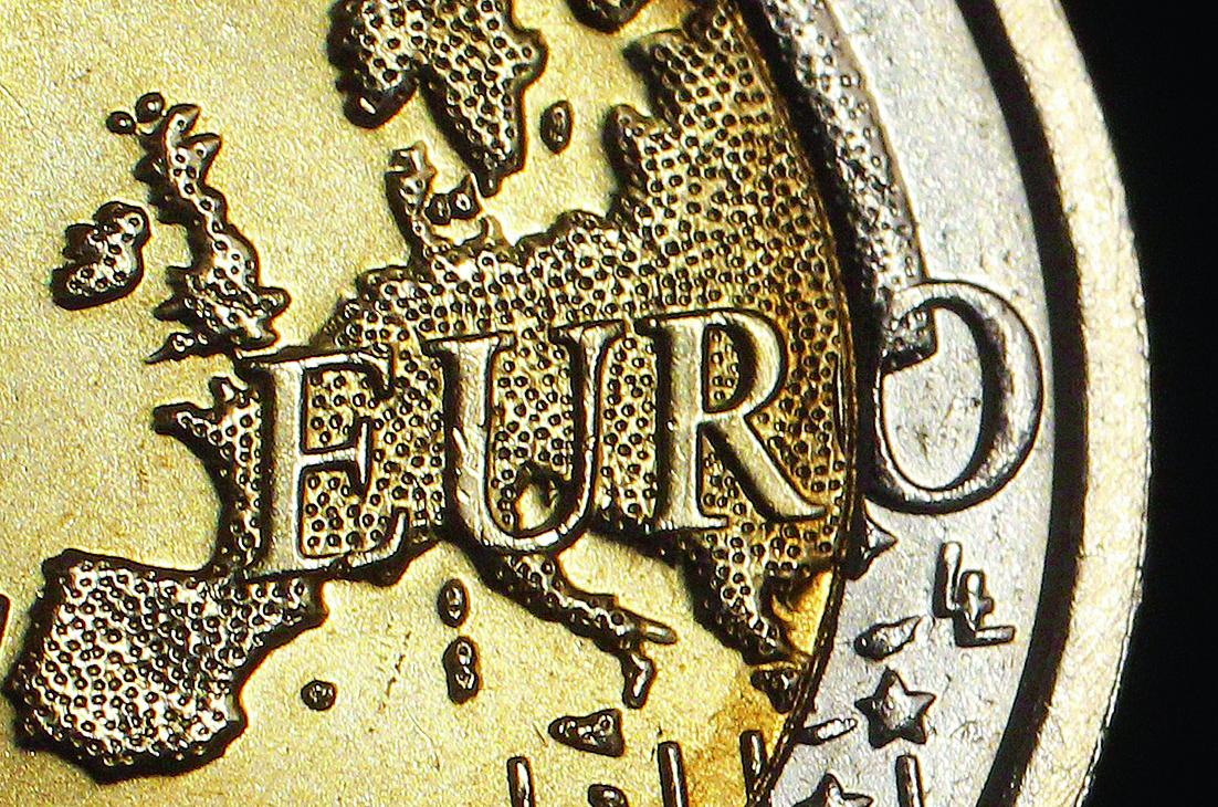 Μειώνεται η απασχόληση και ανεβαίνει ο πληθωρισμός στην Ευρωζώνη   tovima.gr