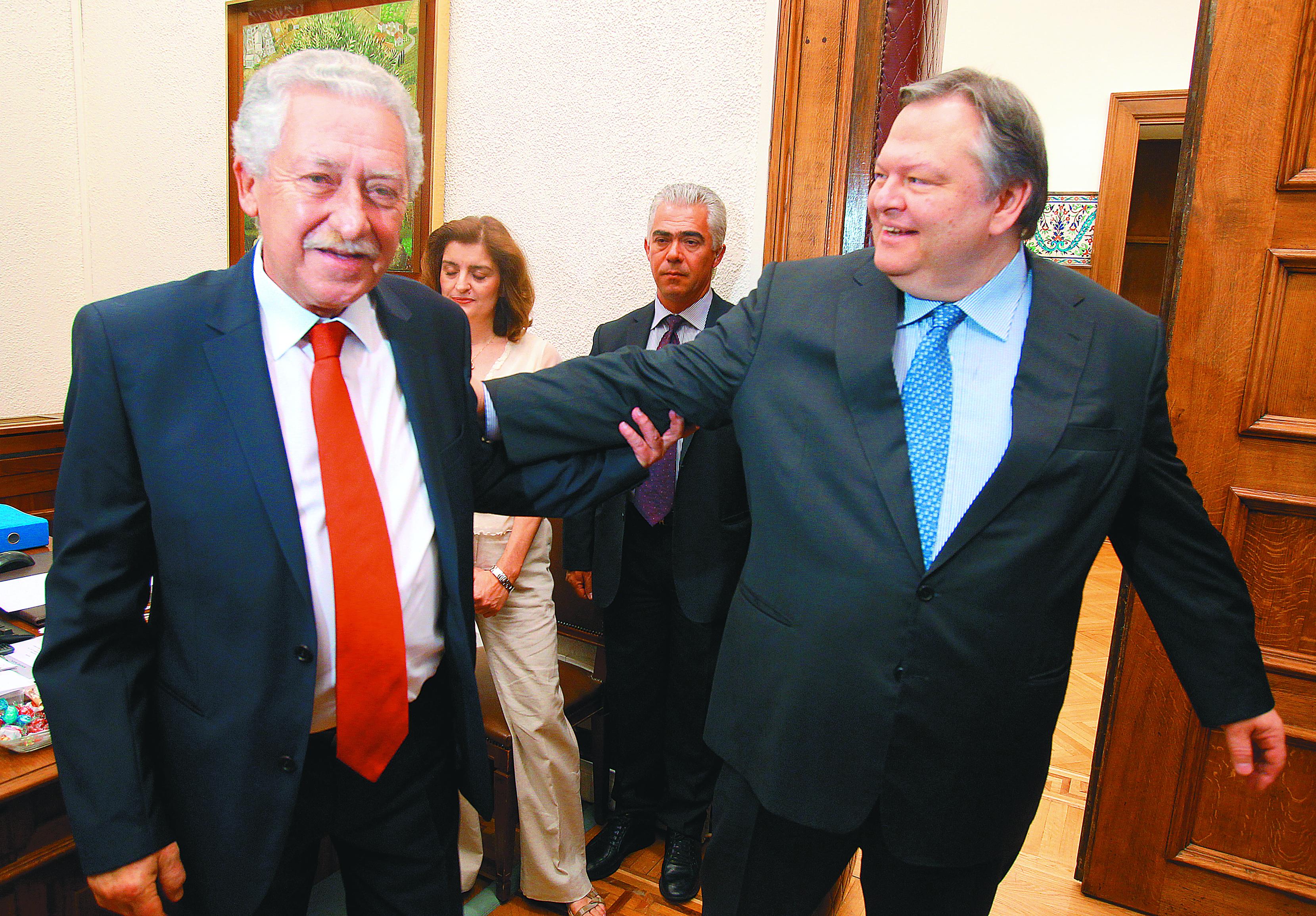 Φώτης Κουβέλης: «Ανταλλάξαμε με τον κ. Βενιζέλο απόψεις για όλα τα ενδεχόμενα» | tovima.gr