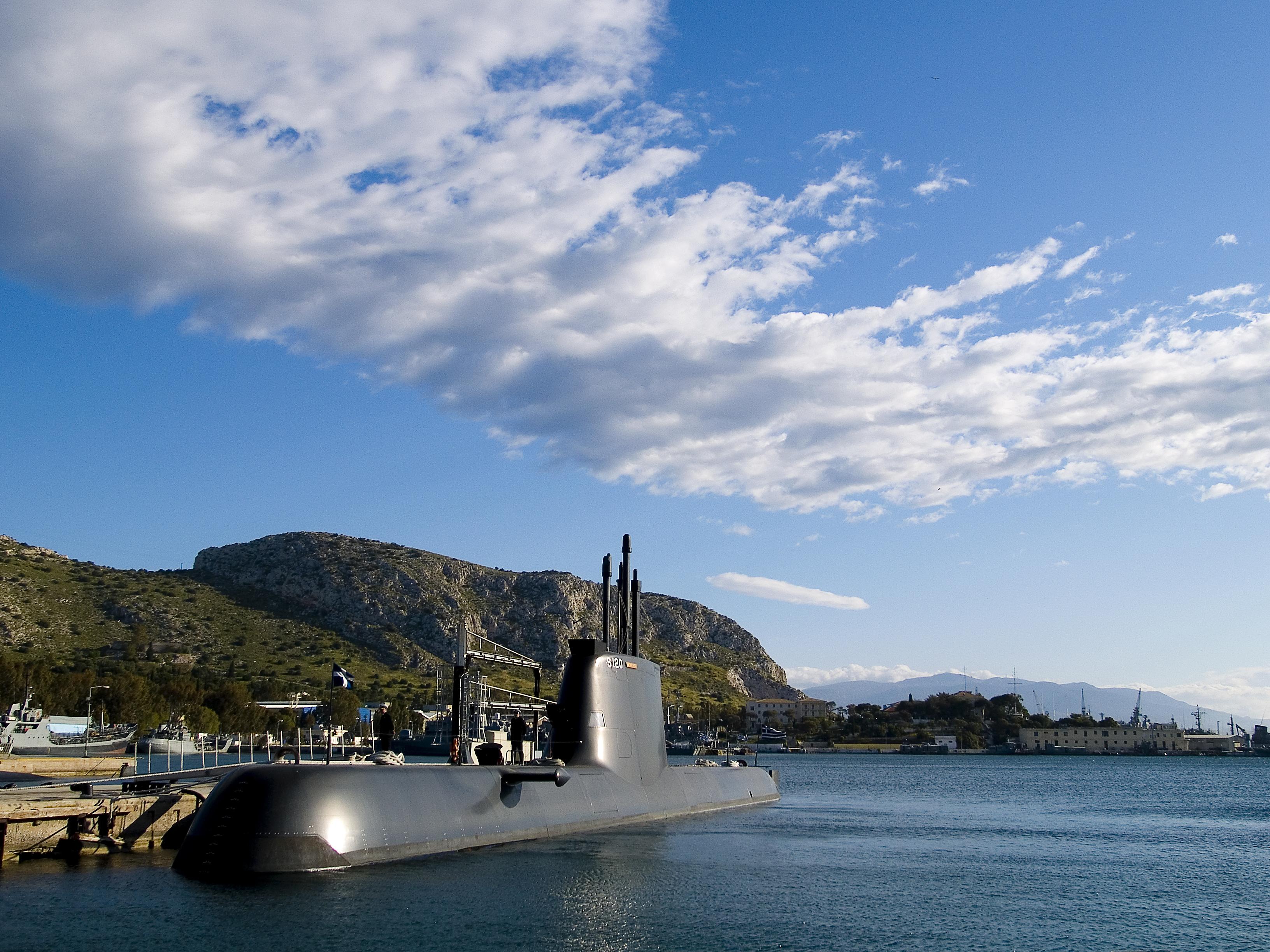 Αρχίζουν οι εργασίες στα τέσσερα υποβρύχια του Πολεμικού Ναυτικού | tovima.gr
