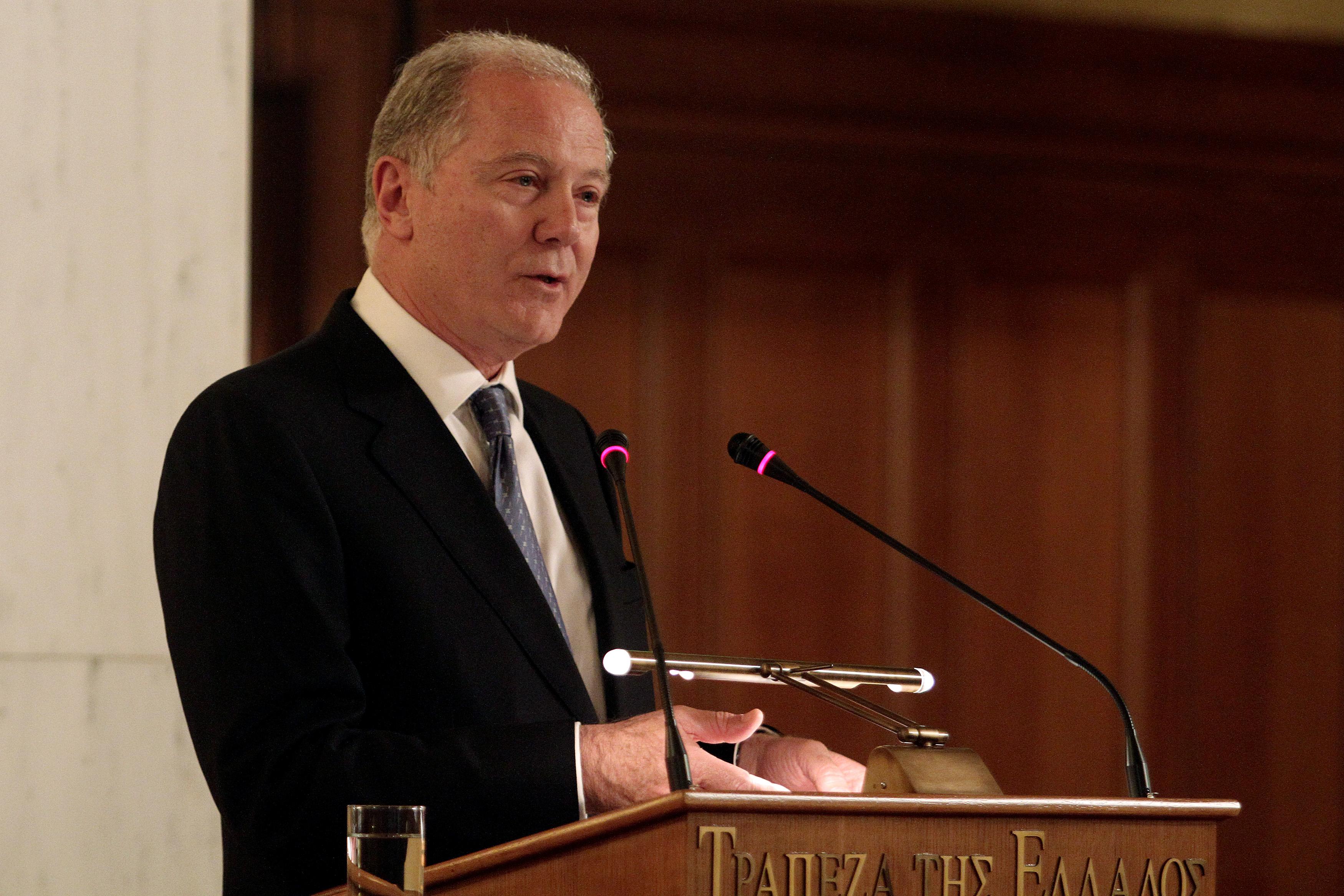 FT: Ο ρόλος Προβόπουλου στην παραμονή της Ελλάδας στο ευρώ | tovima.gr