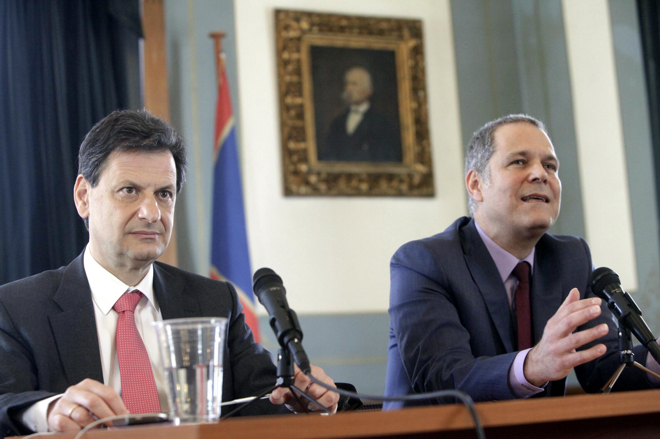 «Γέφυρες» και Φερχόφσταντ κλείνουν την προεκλογική τους εκστρατεία | tovima.gr