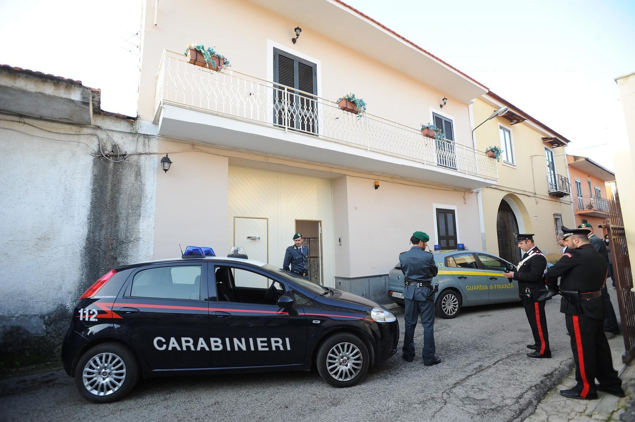 Η ιταλική αστυνομία συνέλαβε 95 μαφιόζους στο Παλέρμο   tovima.gr