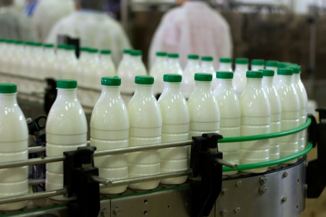 Growth Ministry making efforts to reduce the price of milk | tovima.gr
