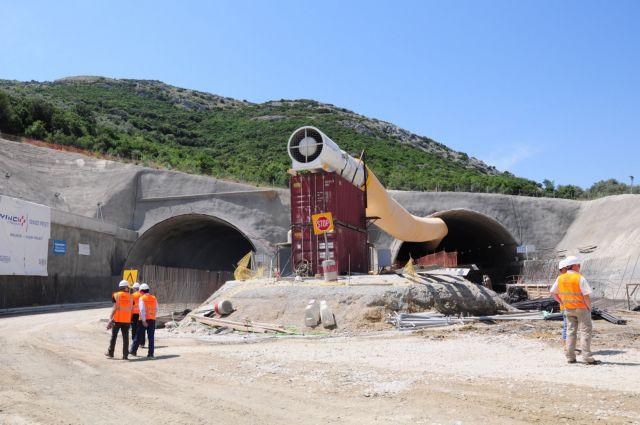 European Investment Ban approves €815 million for public woks | tovima.gr