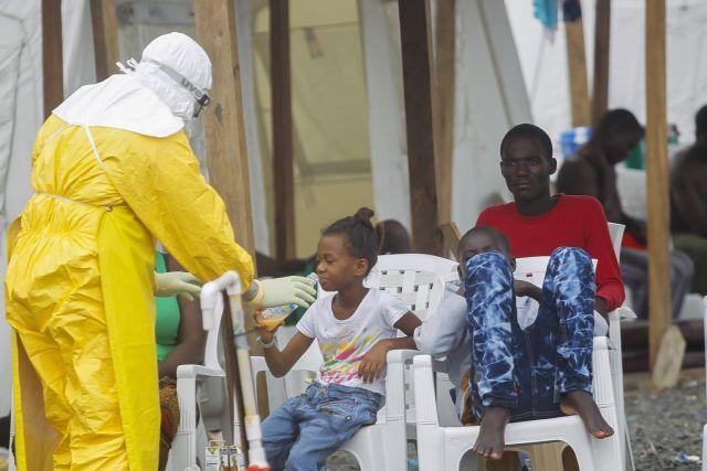 Κλινικές δοκιμές για τη θεραπεία του Έμπολα ξεκινούν στην Αφρική   tovima.gr