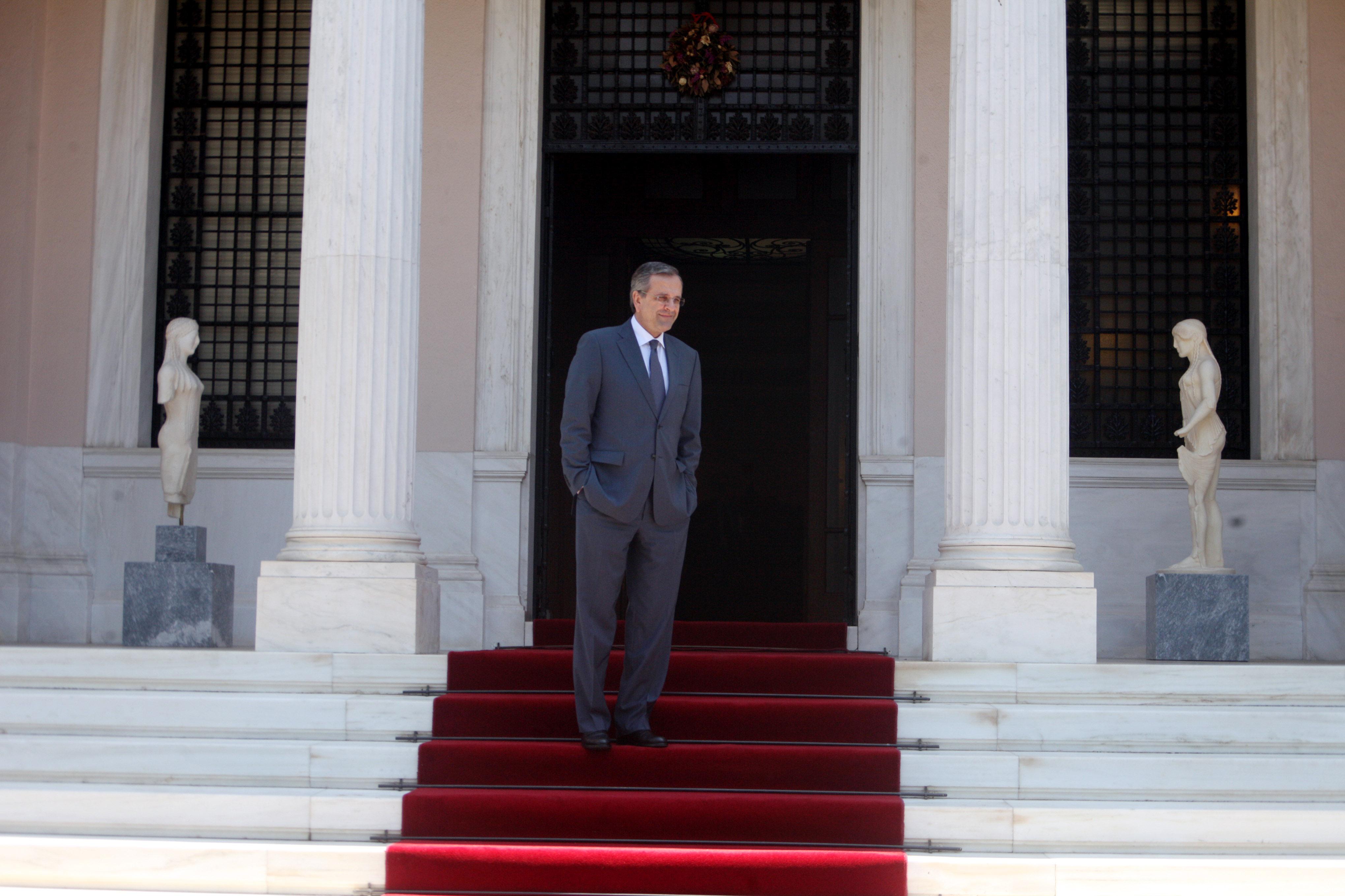 Εντονος εκνευρισμός στην κυβέρνηση από τη στάση της τρόικας | tovima.gr