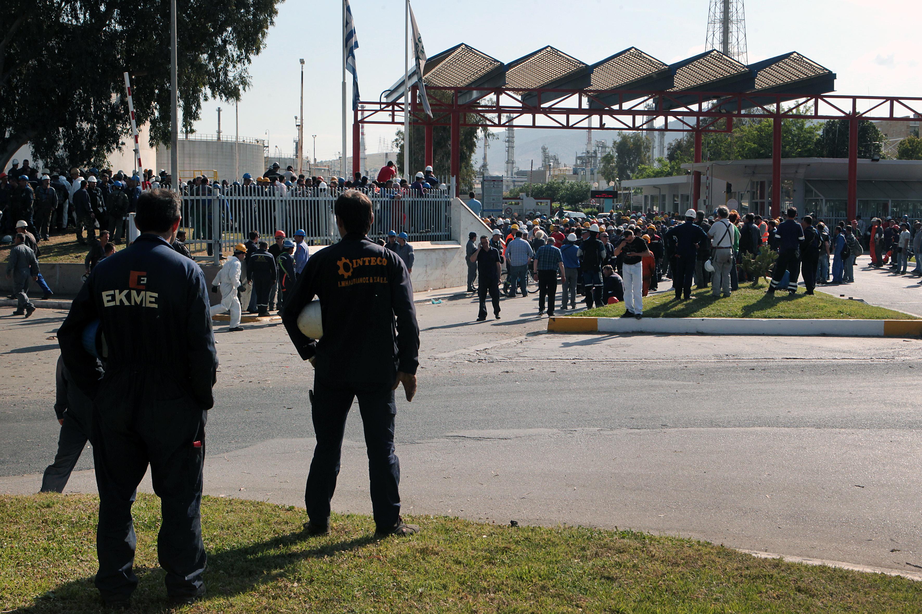 Ανθρώπινο λάθος δείχνει το πόρισμα για την έκρηξη στα ΕΛΠΕ | tovima.gr