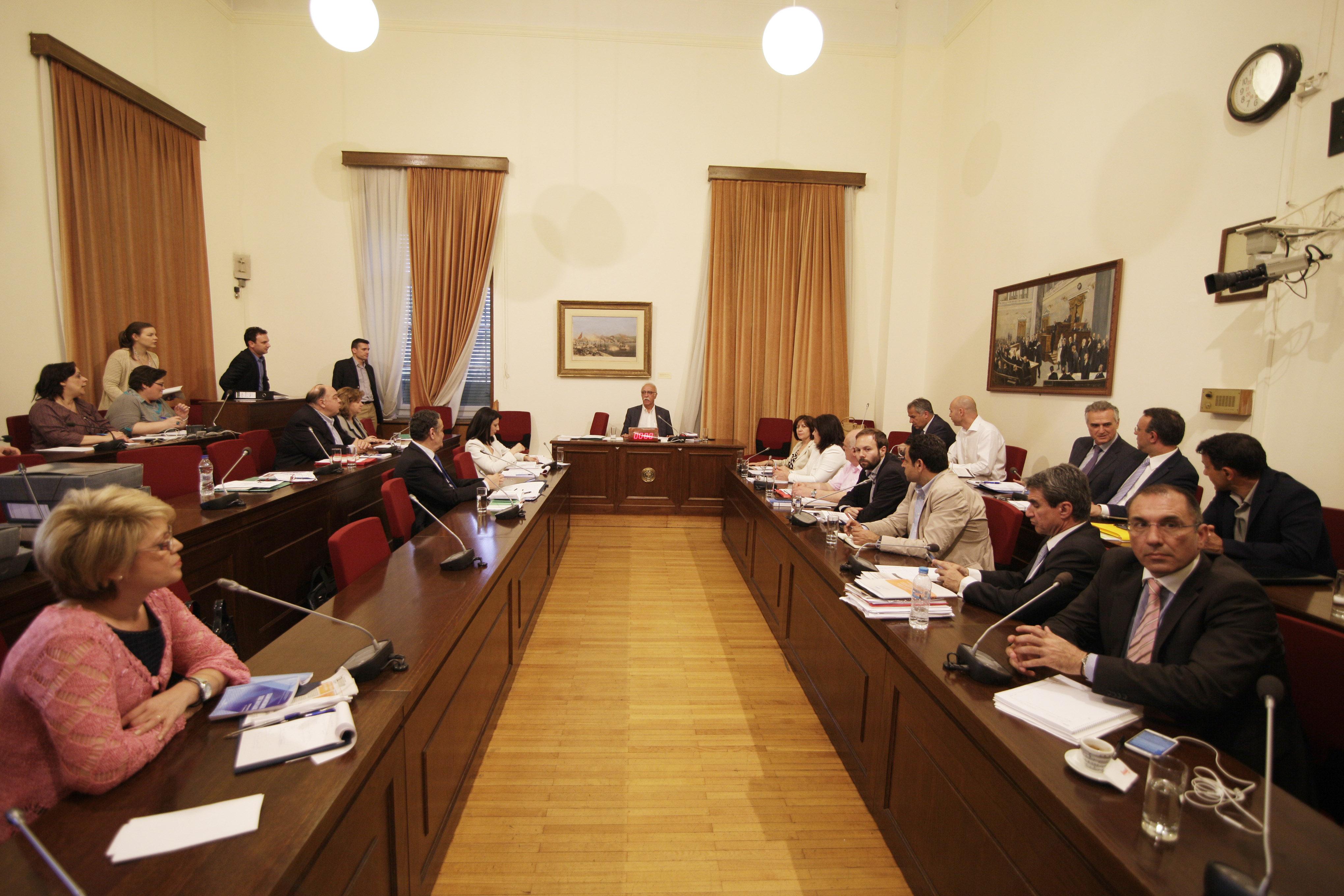Εξεταστική: Τα μνημονιακά μέτρα επιδείνωσαν την κατάσταση | tovima.gr