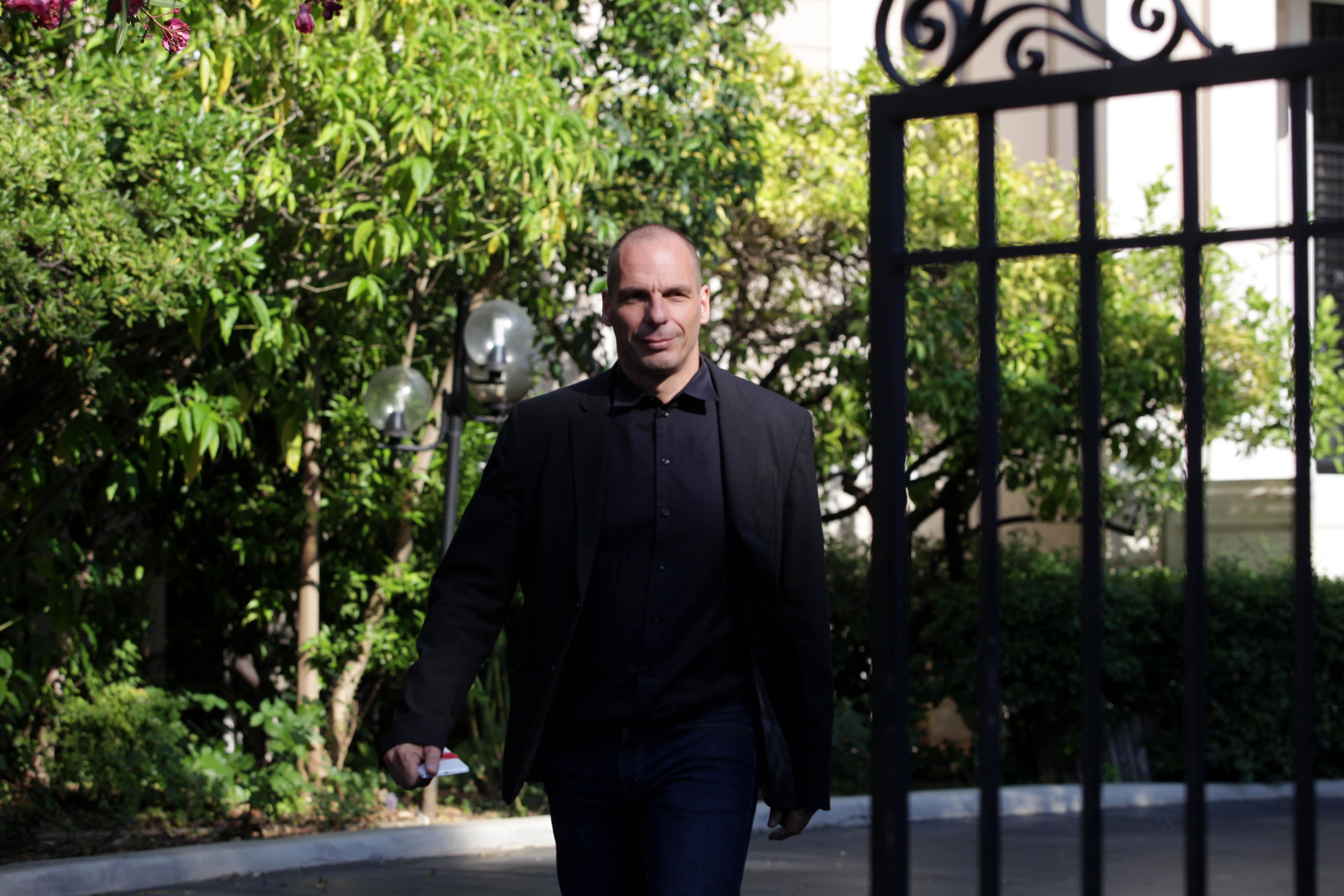 Βαρουφάκης: Η συμφωνία θα έκλεινε σε μία νύχτα με την Μέρκελ παρούσα   tovima.gr