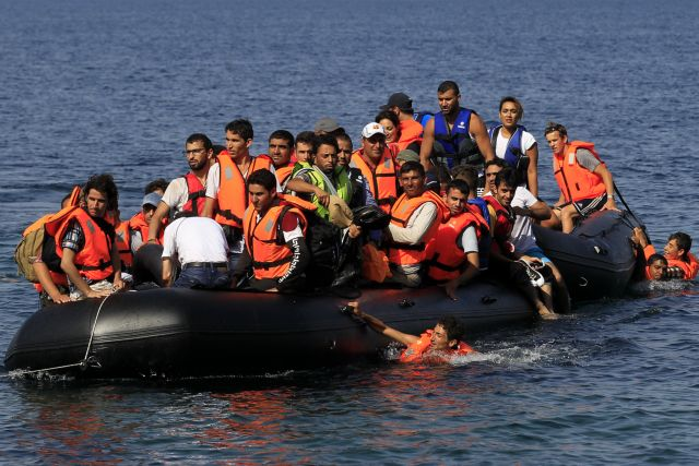 Coast Guard: Over 100,000 refugees entered Greece in August | tovima.gr