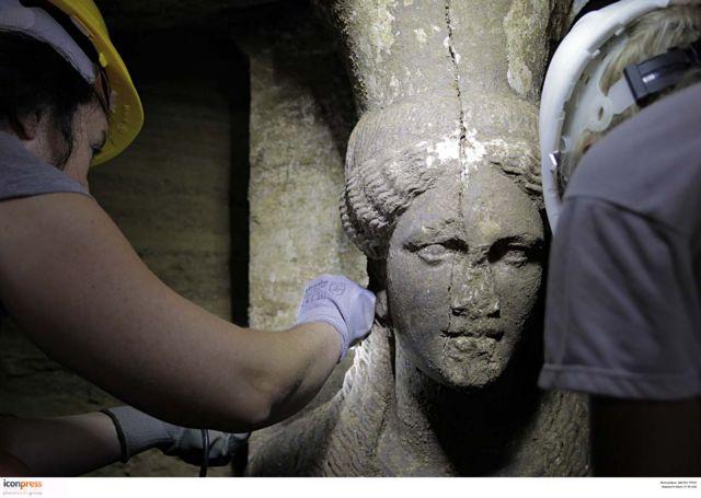 "Peristeri: ""Alexander commissioned the Amphipolis tomb for Hephaestion""   tovima.gr"