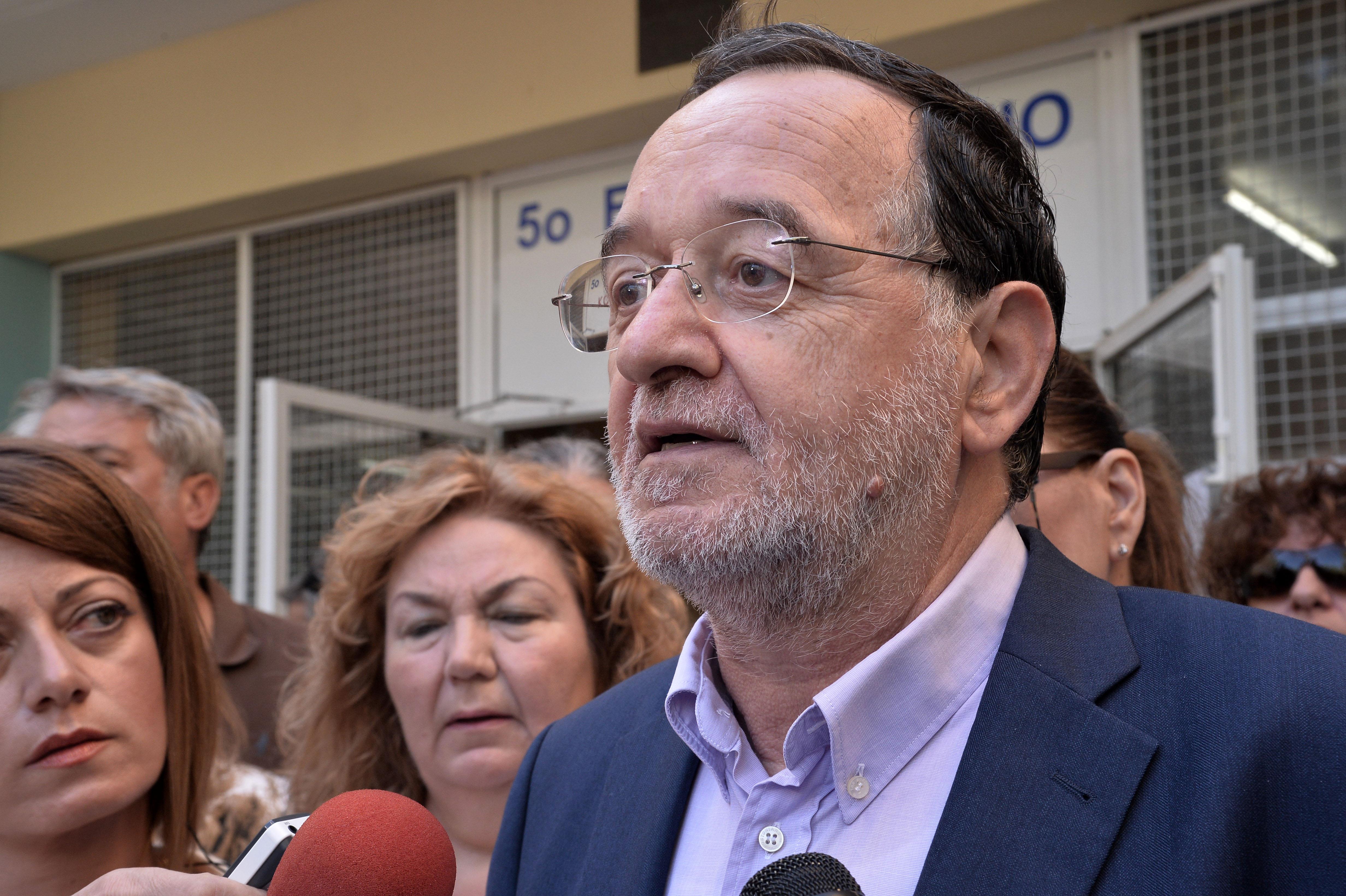 Λαφαζάνης: «Λαϊκίστικη δημαγωγία» οι εξαγγελίες Τσίπρα | tovima.gr
