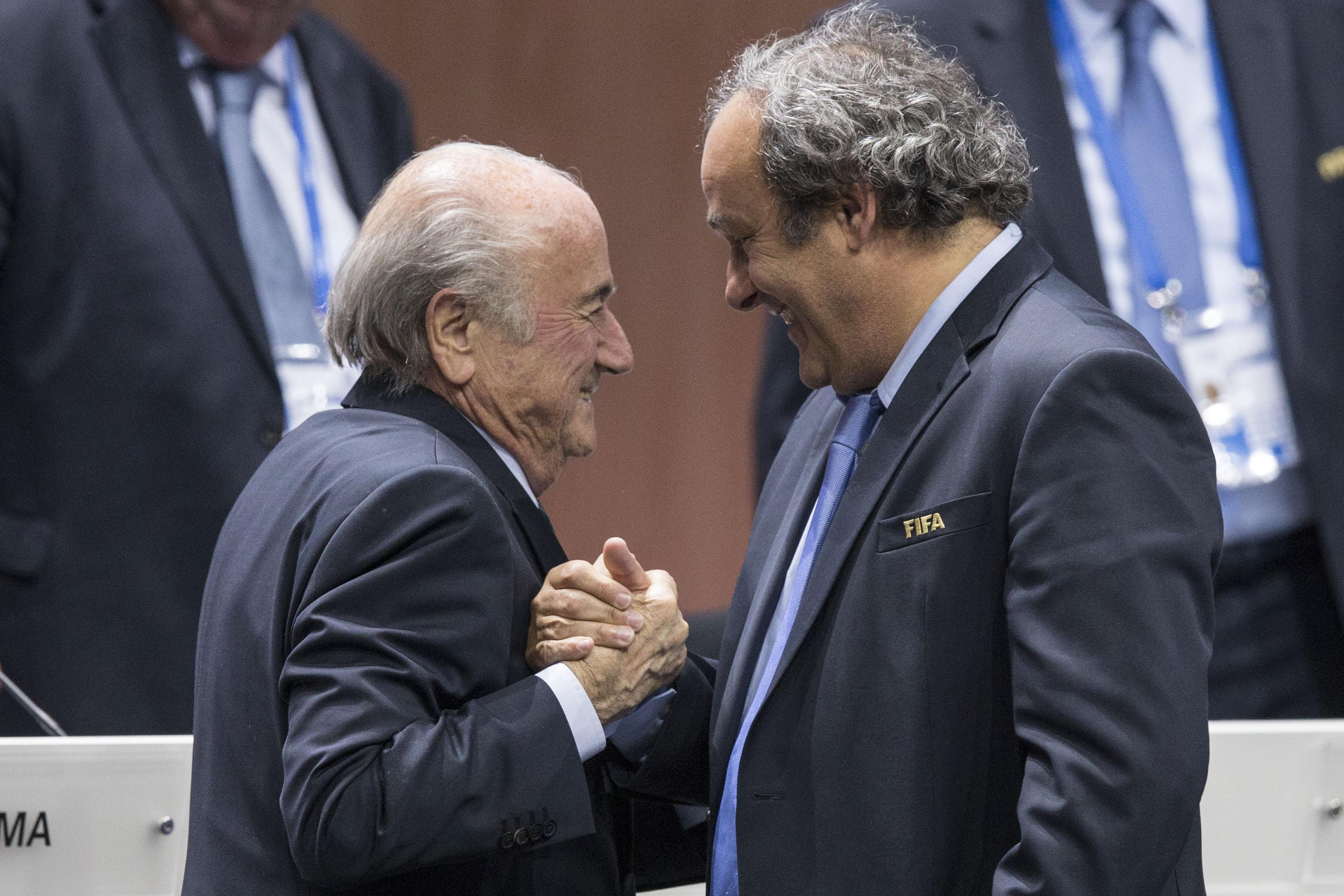 Αποβλήθηκαν για 3 μήνες από FIFA και UEFA Μπλάτερ και Πλατινί | tovima.gr