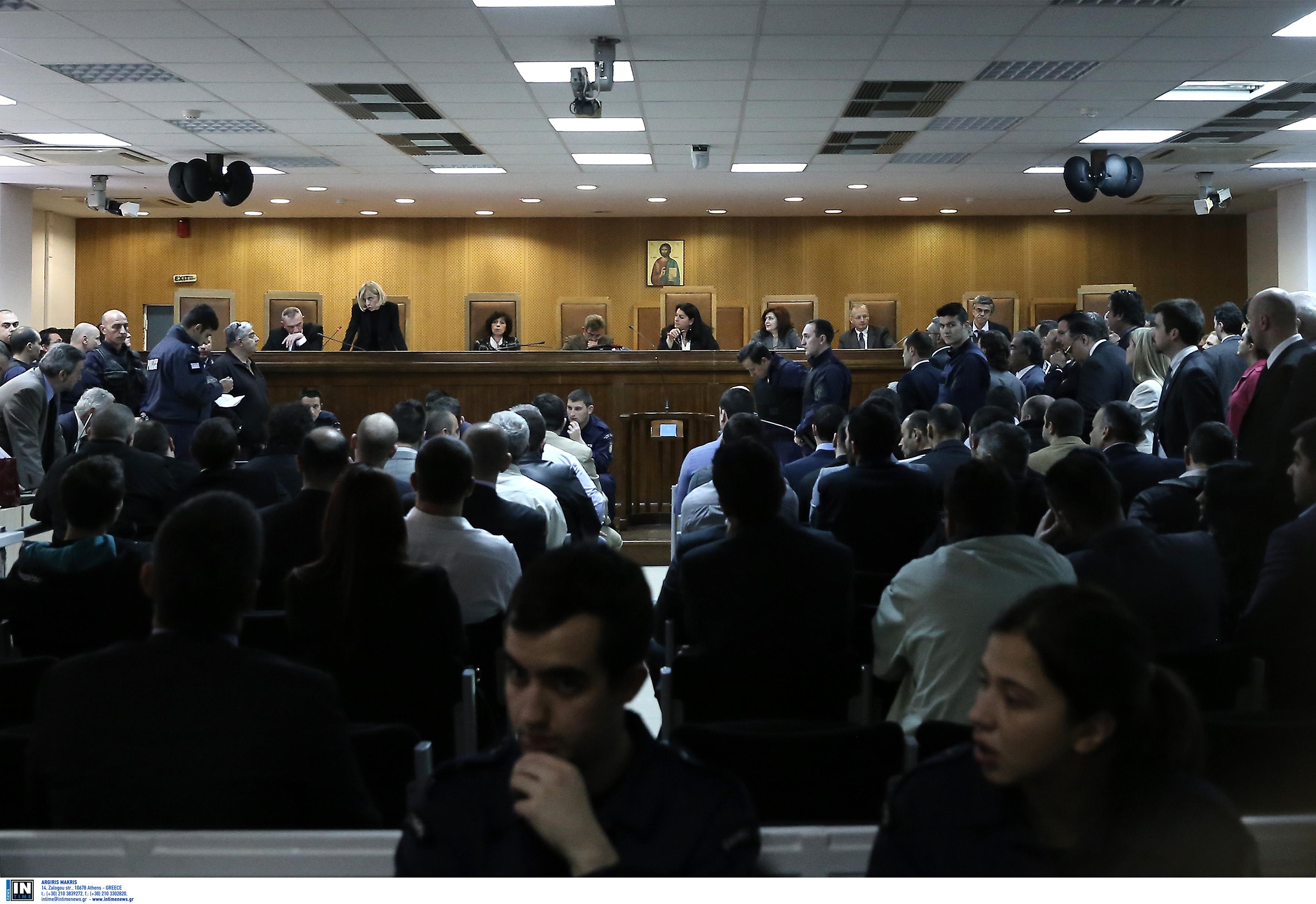 Δίκη Χρυσής Αυγής- «Η ομάδα ΔΙΑΣ δεν έχει εκπαιδευτεί για τέτοιαθέματα»   tovima.gr