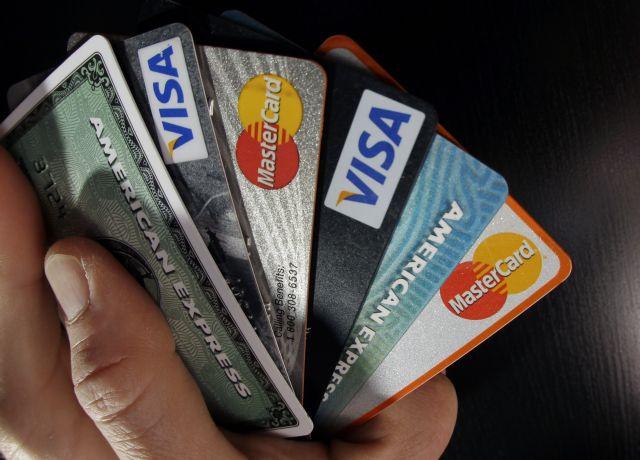 Αλεξιάδης σε τράπεζες: Μειώστε τις χρεώσεις στις e-συναλλαγές | tovima.gr