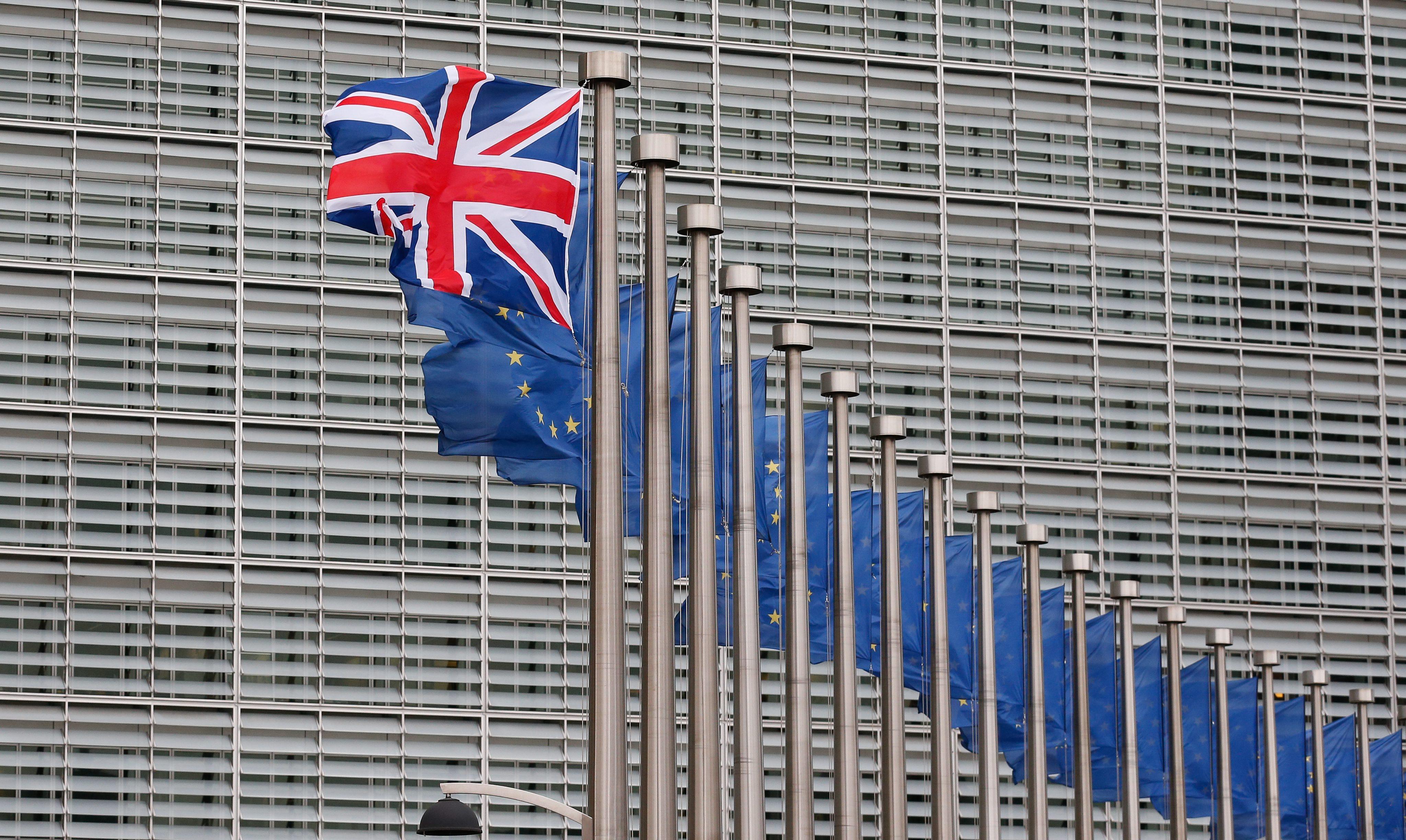 Σαπέν – Πάντοαν κατά του Brexit γιατί μπορεί να φέρει διάλυση της ΕΕ   tovima.gr