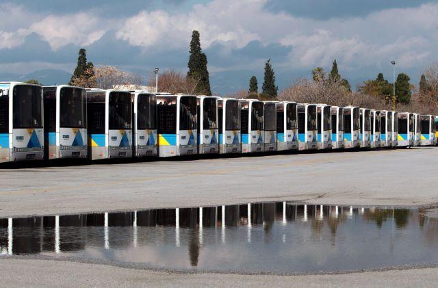 Βρώμικα κυκλοφορούν τα λεωφορεία λόγω απεργίας των καθαριστριών | tovima.gr