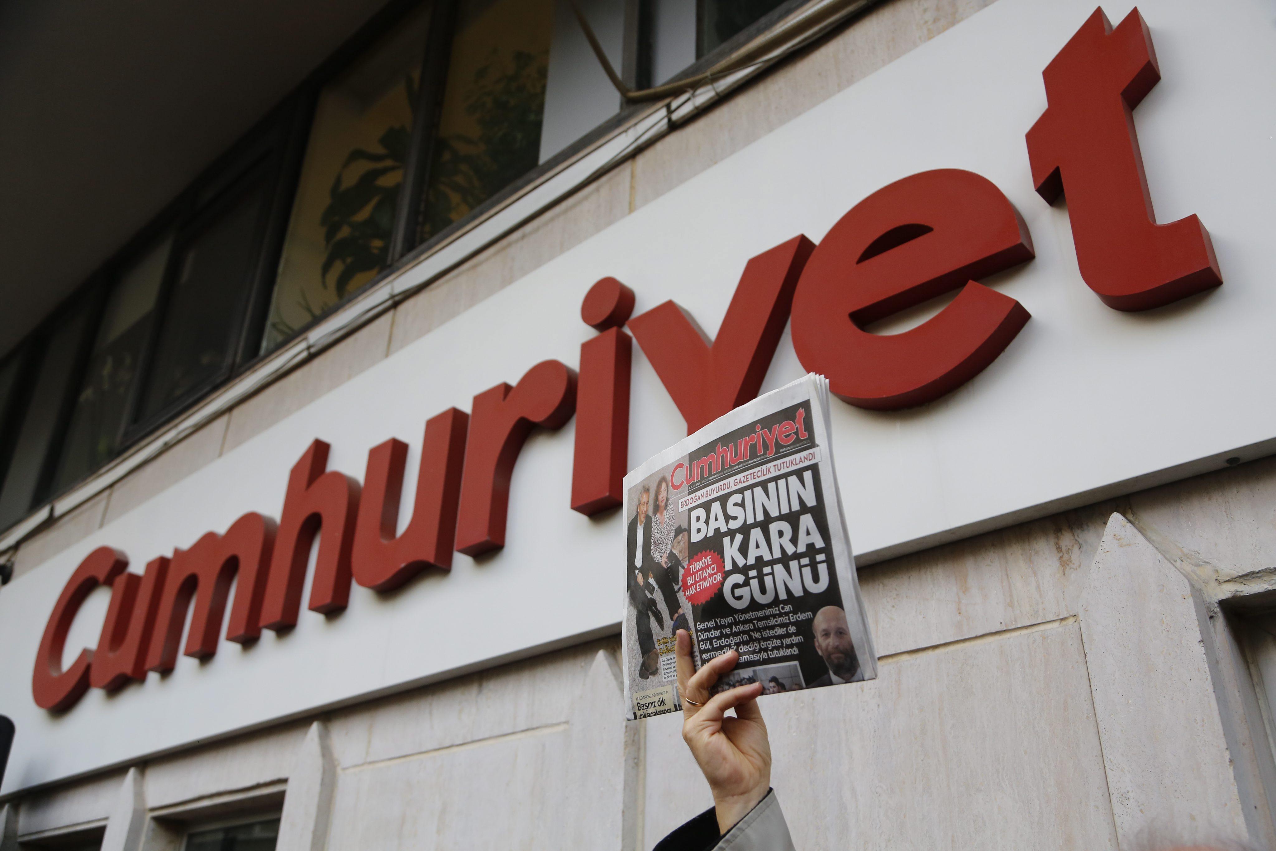 Ολοκληρωτικό πλήγμα για τον Τύπο στην Τουρκία | tovima.gr