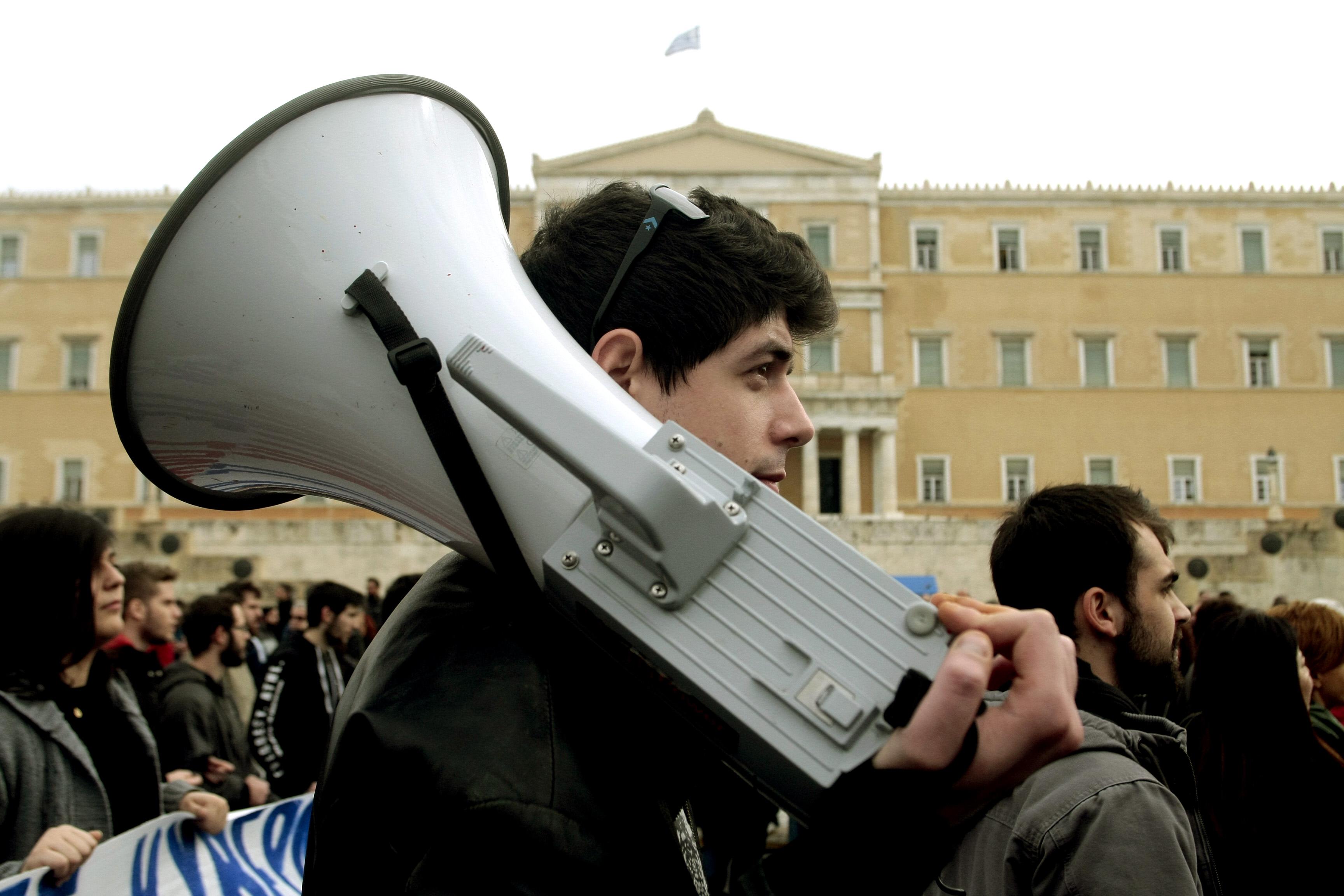 Συμφωνία 5 σημείων ΓΣΕΕ-εργοδοτών για κοινό μέτωπο στα εργασιακά   tovima.gr