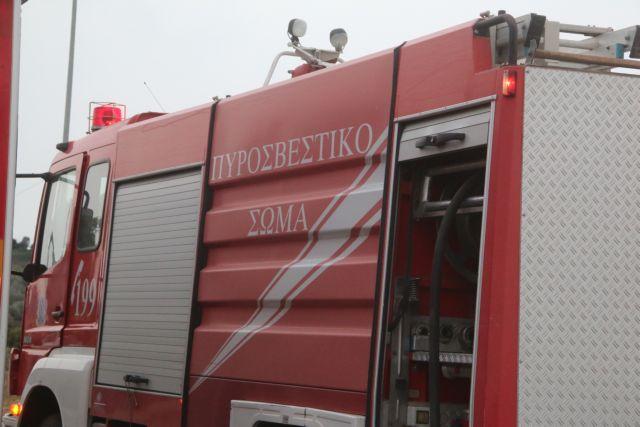 Φωτιά σε λεωφορείο της Σχολής Ευελπίδων κοντά στα διόδια Σπαθοβουνίου   tovima.gr