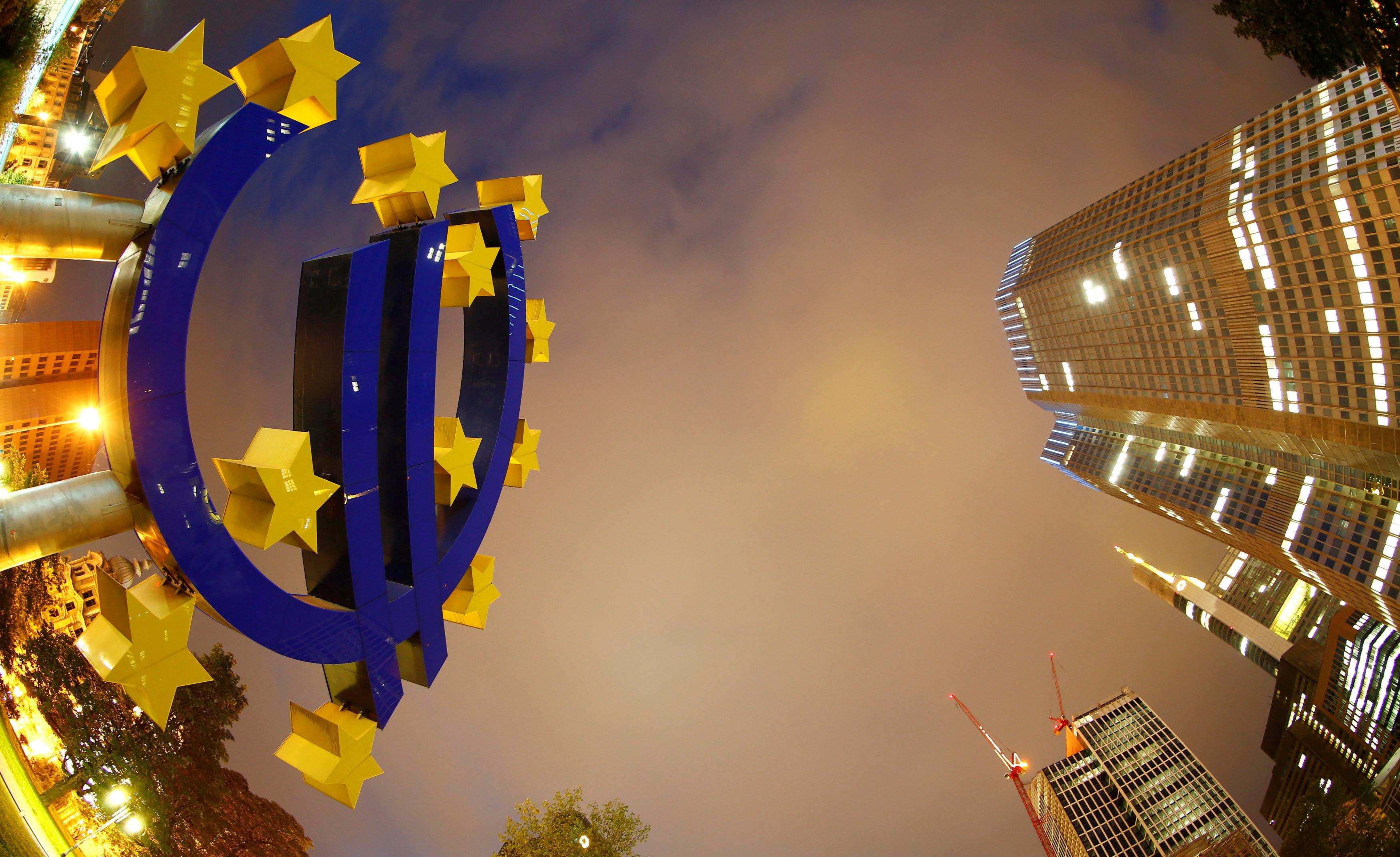 Σε υψηλό 4ετίας ο πληθωρισμός στην ευρωζώνη τον Φεβρουάριο | tovima.gr