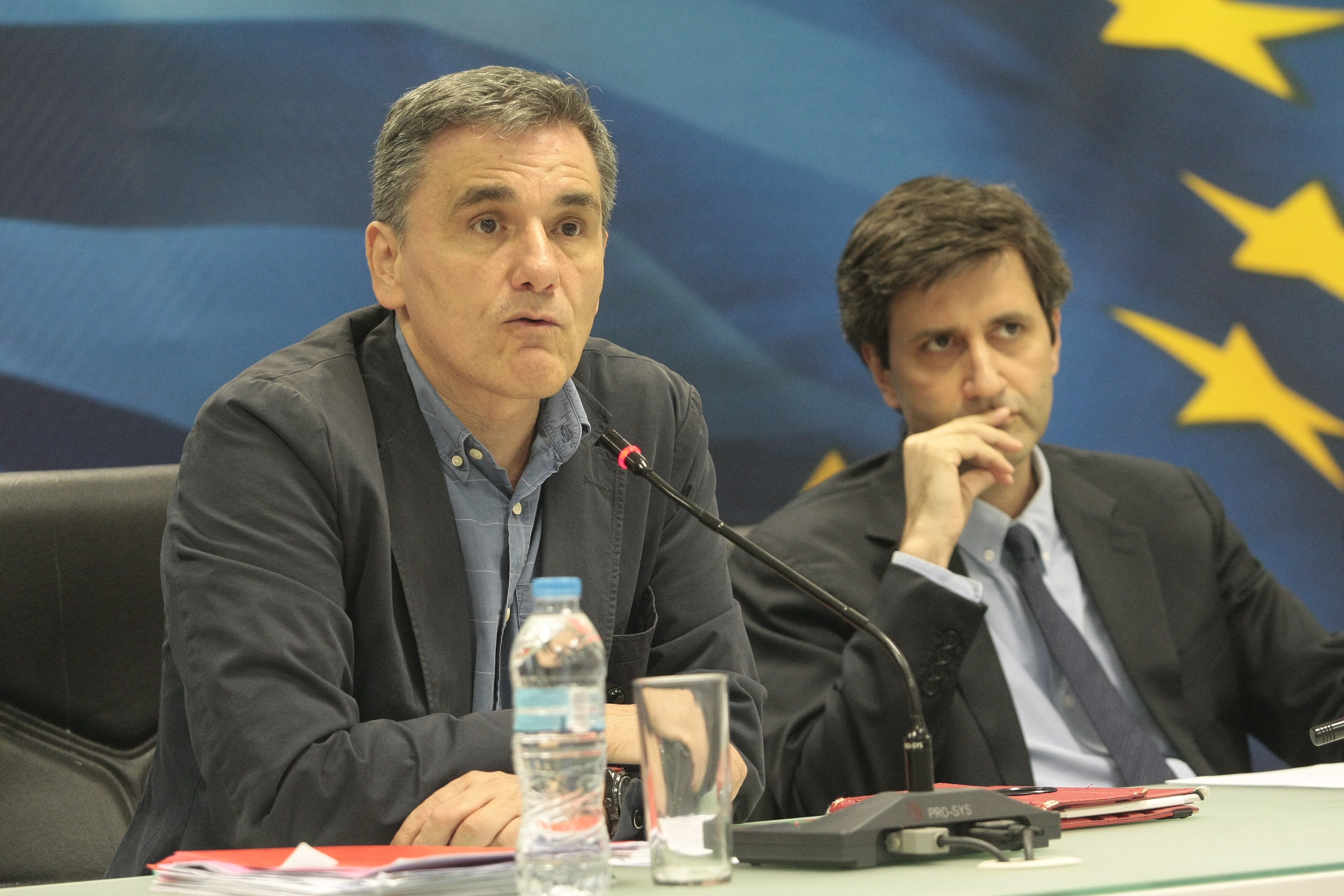 Τηλεδιάσκεψη οικονομικού επιτελείου-θεσμών το μεσημέρι της Παρασκευής   tovima.gr