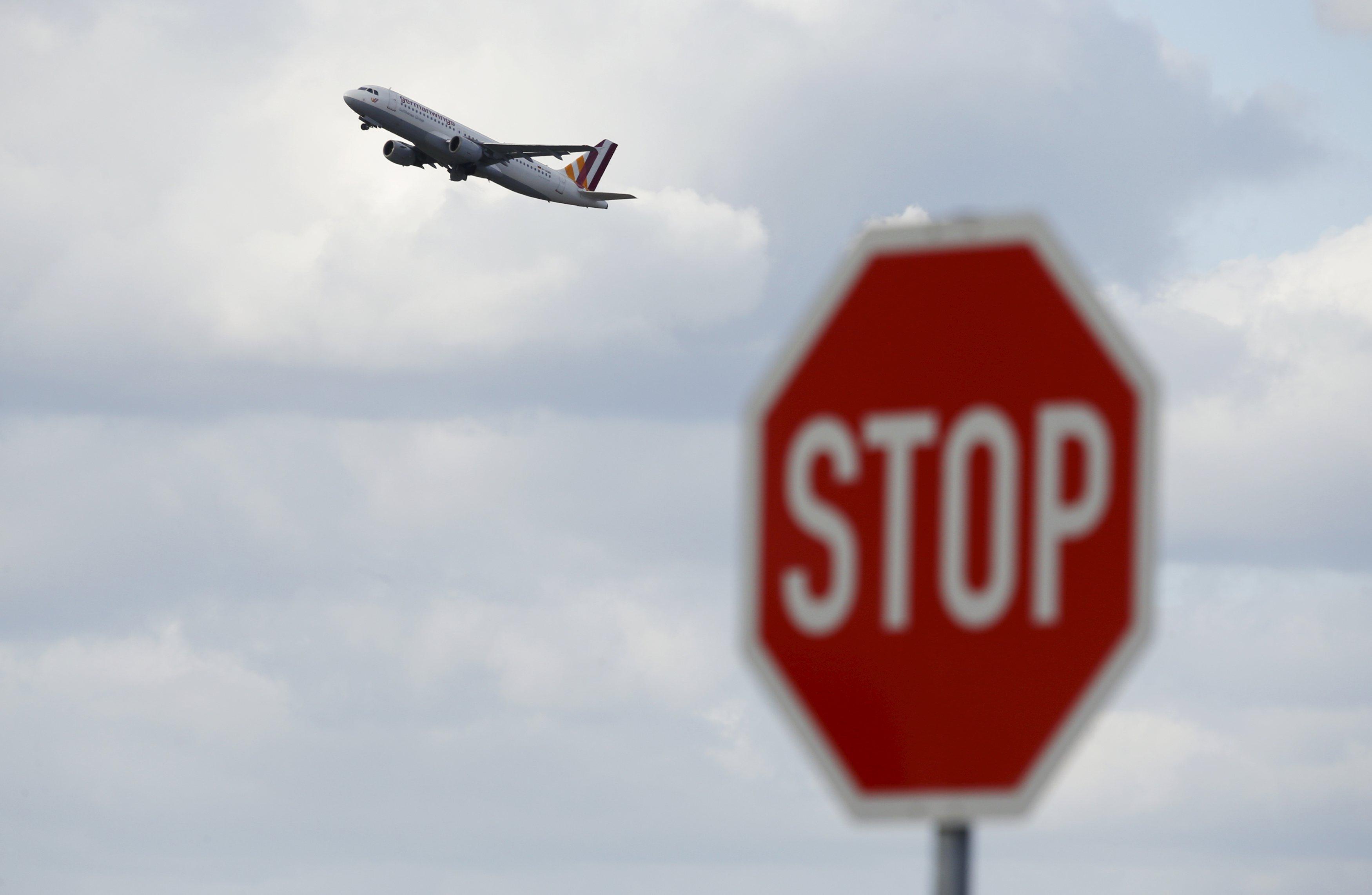 Αργεντινή: Holding το αεροπλάνο λόγω απουσίας του ελεγκτή πύργου | tovima.gr