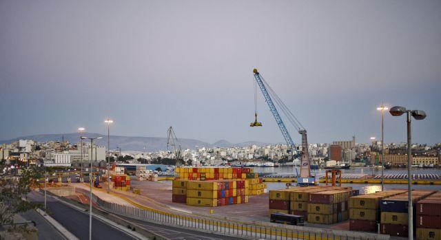 Πέντε θέσεις στην παγκόσμια κατάταξη ανέβηκε το λιμάνι του Πειραιά | tovima.gr