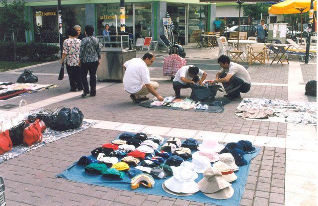 Tριπλασιάστηκαν το 2016 οι έλεγχοι για την καταπολέμηση του παραεμπορίου | tovima.gr