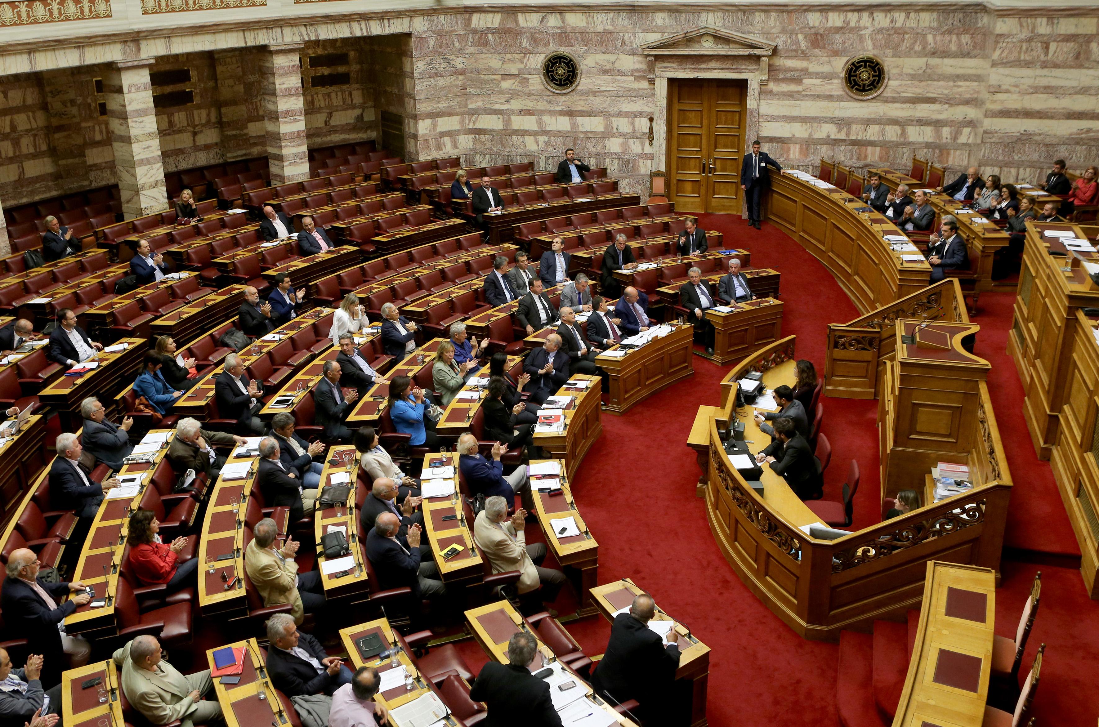 Κρίσιμη «μάχη» στη Βουλή για τα όπλα της Σαουδικής Αραβίας – Υπεκφυγές και άλλα λόγια από τον Π. Καμμένο | tovima.gr