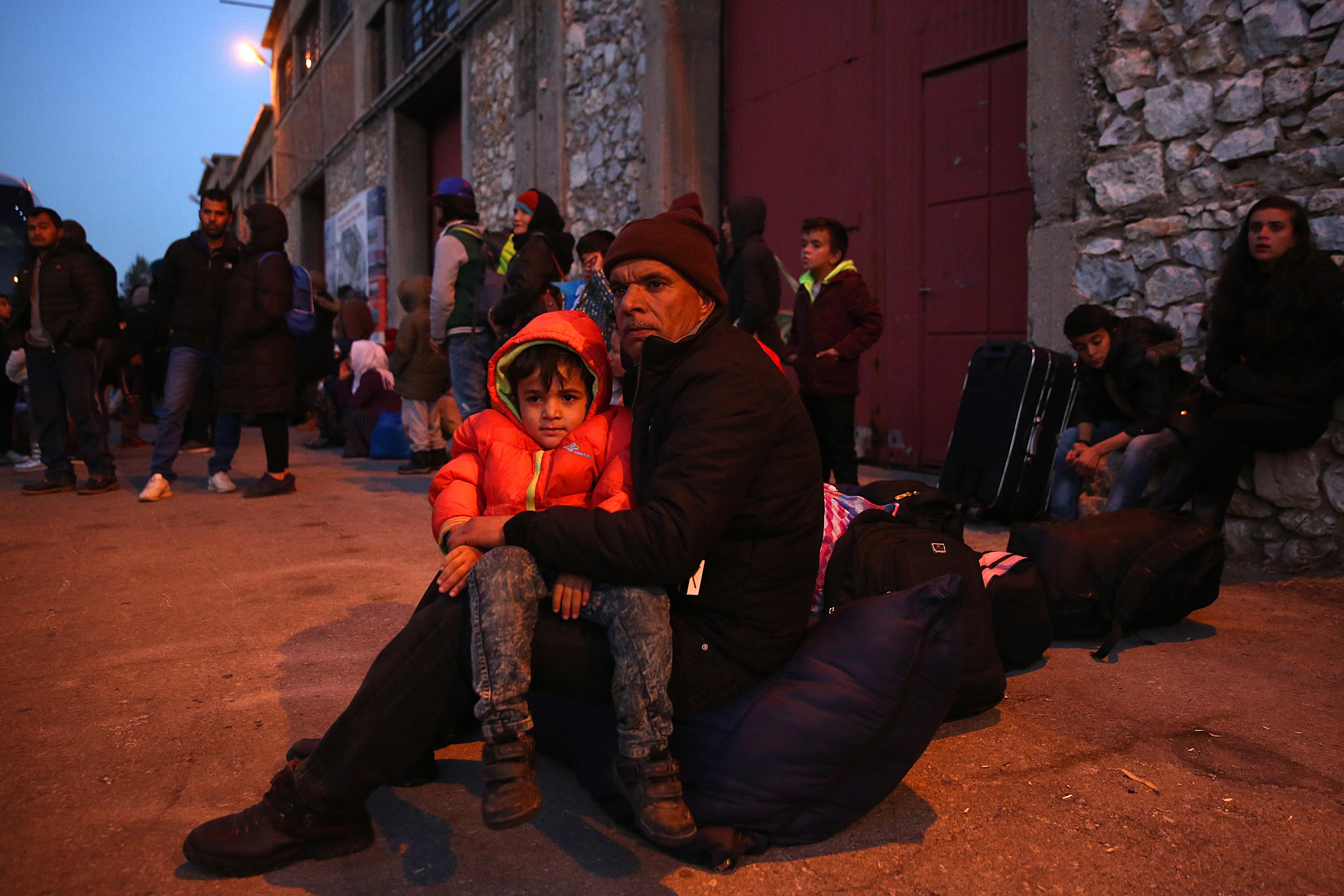 UNHCR issues urgent plea to Greek government | tovima.gr