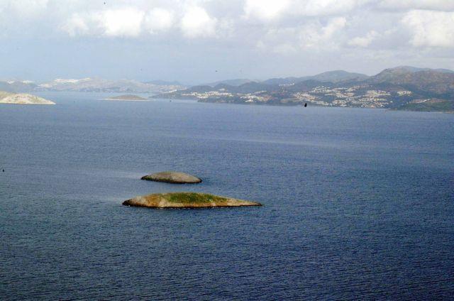 Ιμια: Τουρκική ακταιωρός σε επαφή με κανονιοφόρο του Πολεμικού Ναυτικού | tovima.gr