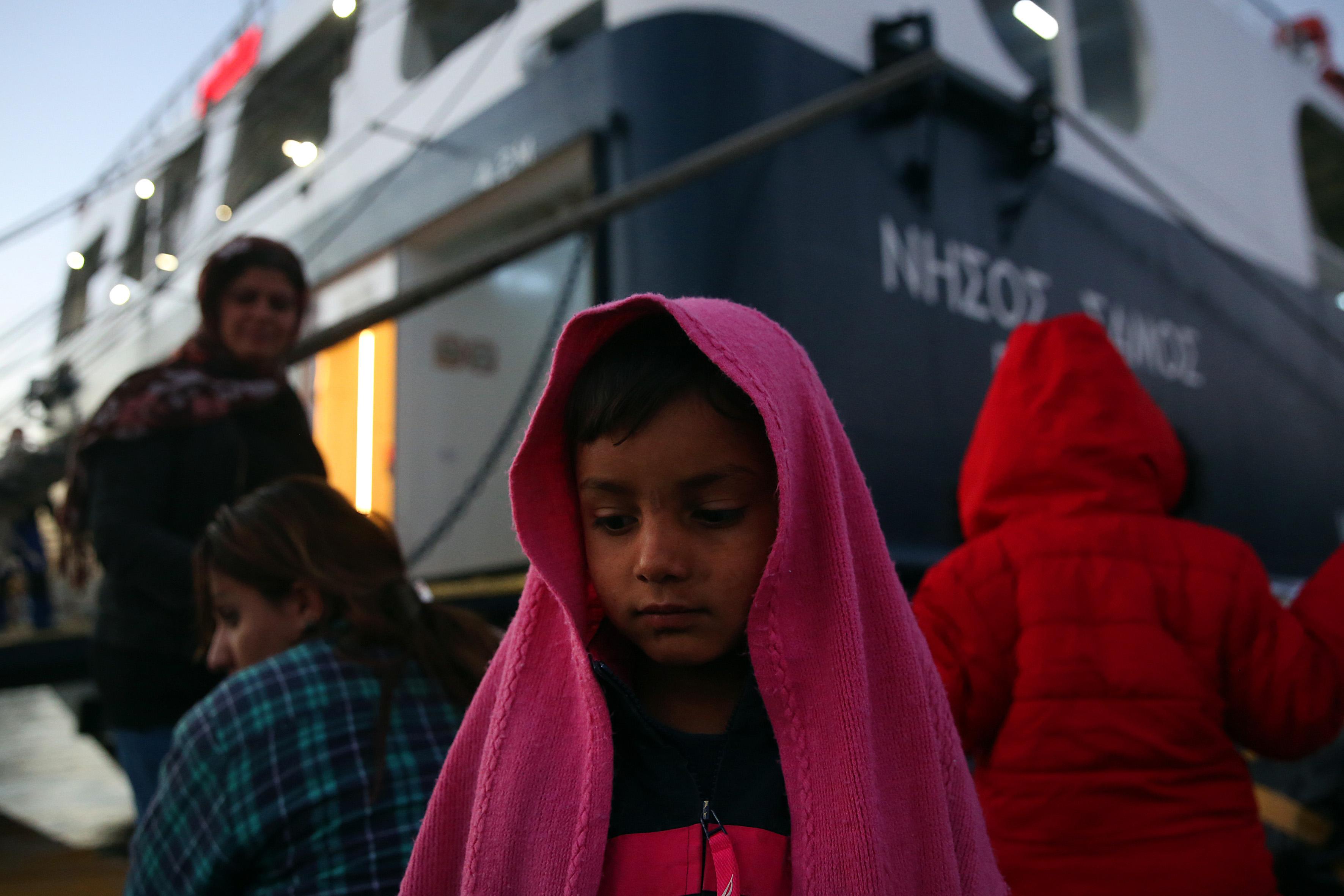 Αβραμόπουλος:  Απαράδεκτο κάποιες χώρες να μην δέχονται πρόσφυγες | tovima.gr