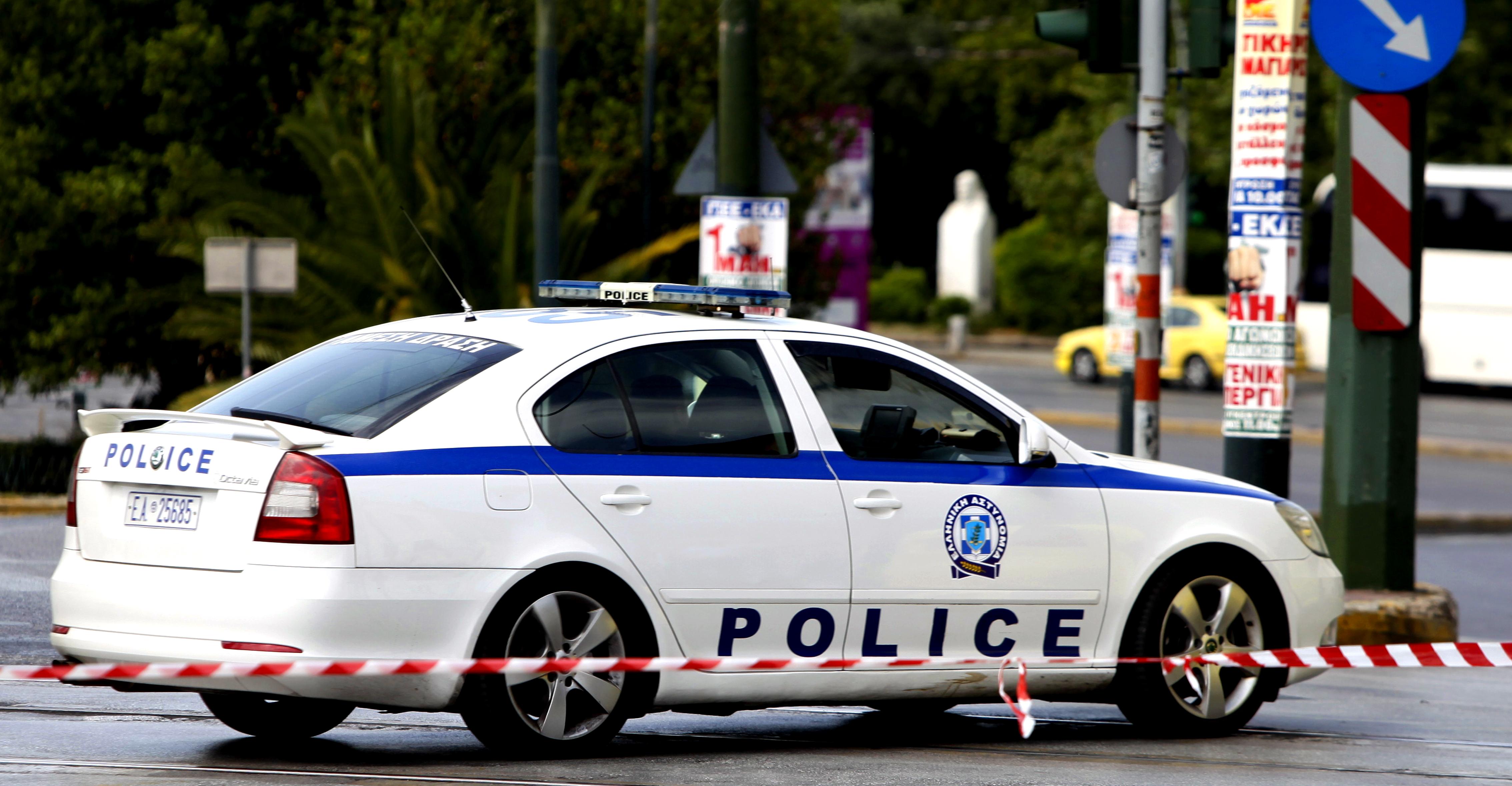 Δολοφονική επίθεση με μαχαίρι στην Πλατεία Βικτωρίας | tovima.gr