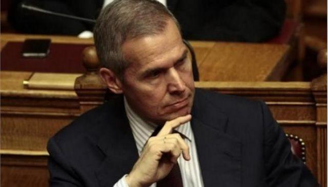 Υπουργείο εργασίας για Δαβάκη: «Ρατσιστικές αντιλήψεις που δείχνουν τη διαφορά» | tovima.gr