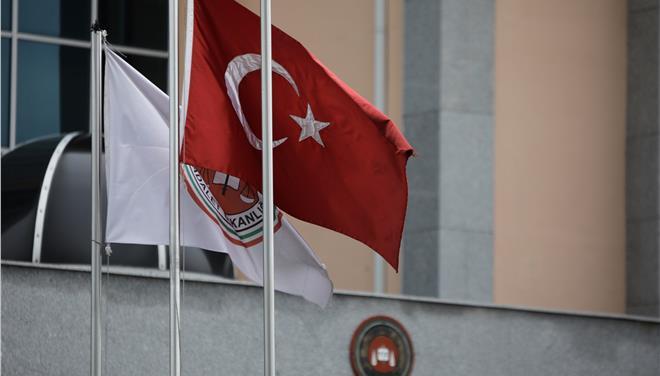 Διαψεύδεται από την ελληνική κυβέρνηση η μεταγωγή των στρατιωτικών σε δικαστήριο της Αδριανούπολης   tovima.gr