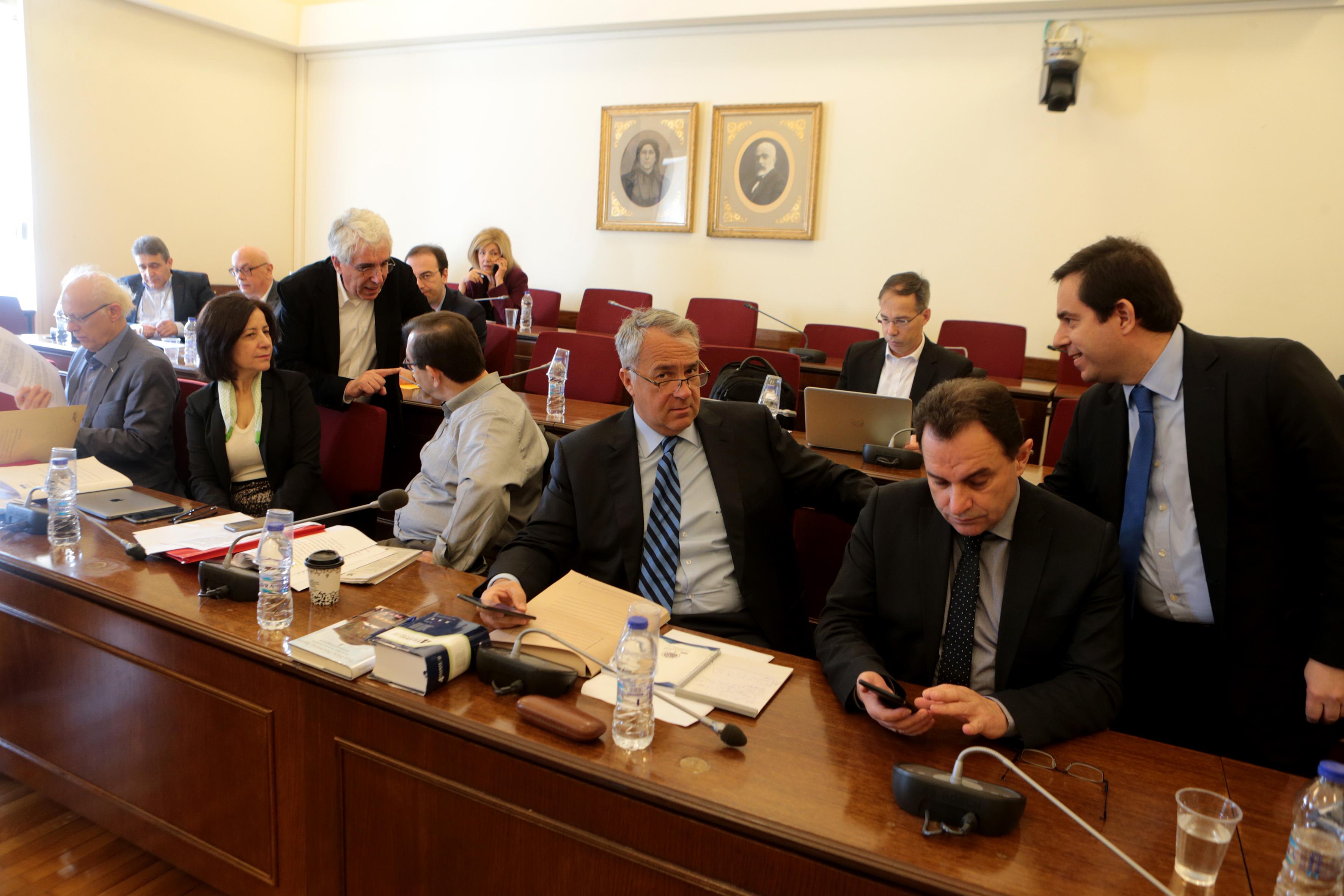 Boycott of parliamentary Novartis probe by opposition parties | tovima.gr