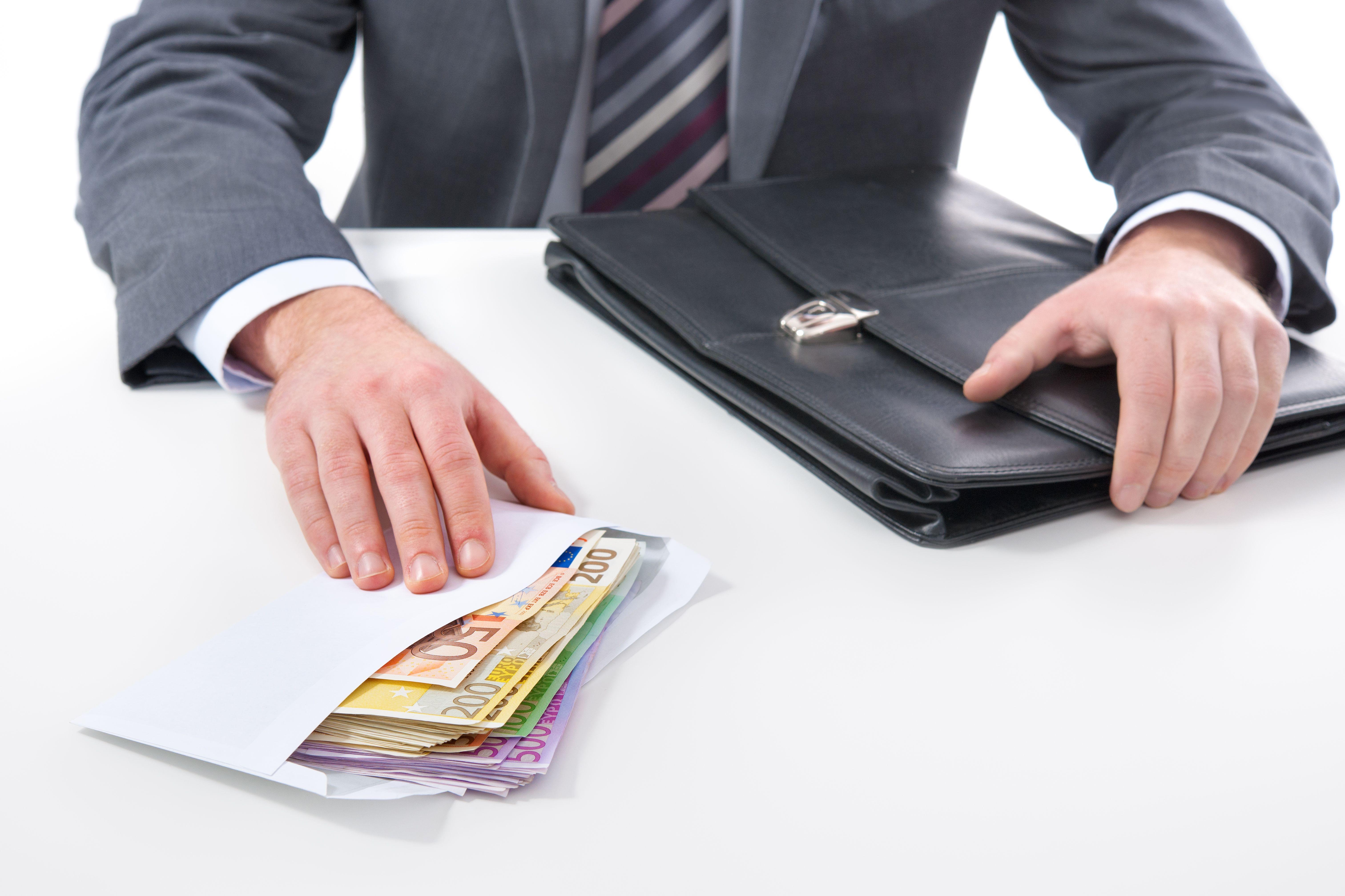 Τράπεζες: Ξεπέρασαν τους στόχους μείωσης των κόκκινων δανείων το 2017   tovima.gr