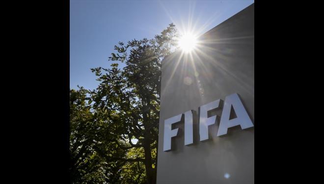 Η FIFA απαιτεί εγγυήσεις ότι θα σταματήσουν τα περιστατικά βίας | tovima.gr