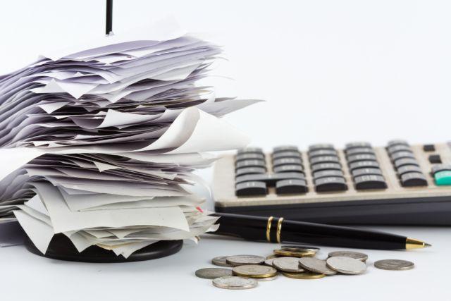 Εφορία: Ποιοι κινδυνεύουν να πληρώσουν υπέρογκους φόρους λόγω χάρτινων αποδείξεων | tovima.gr