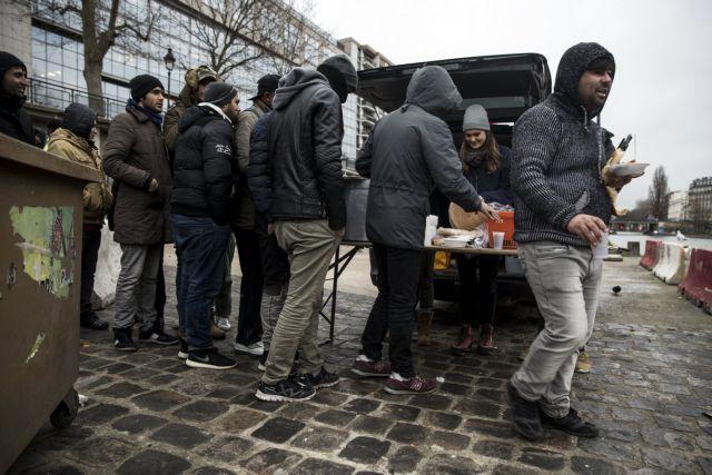 Politico: Η Γαλλική Αστυνομία κακοποιεί μετανάστες | tovima.gr
