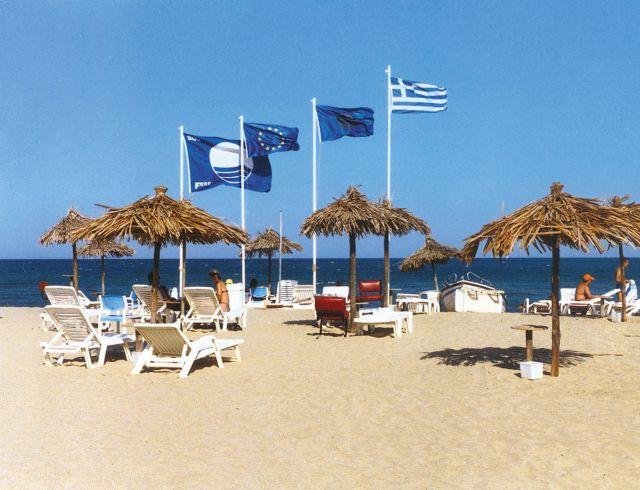 Δώδεκα γαλάζιες σημαίες σε παραλίες των Χανίων για το 2018 | tovima.gr
