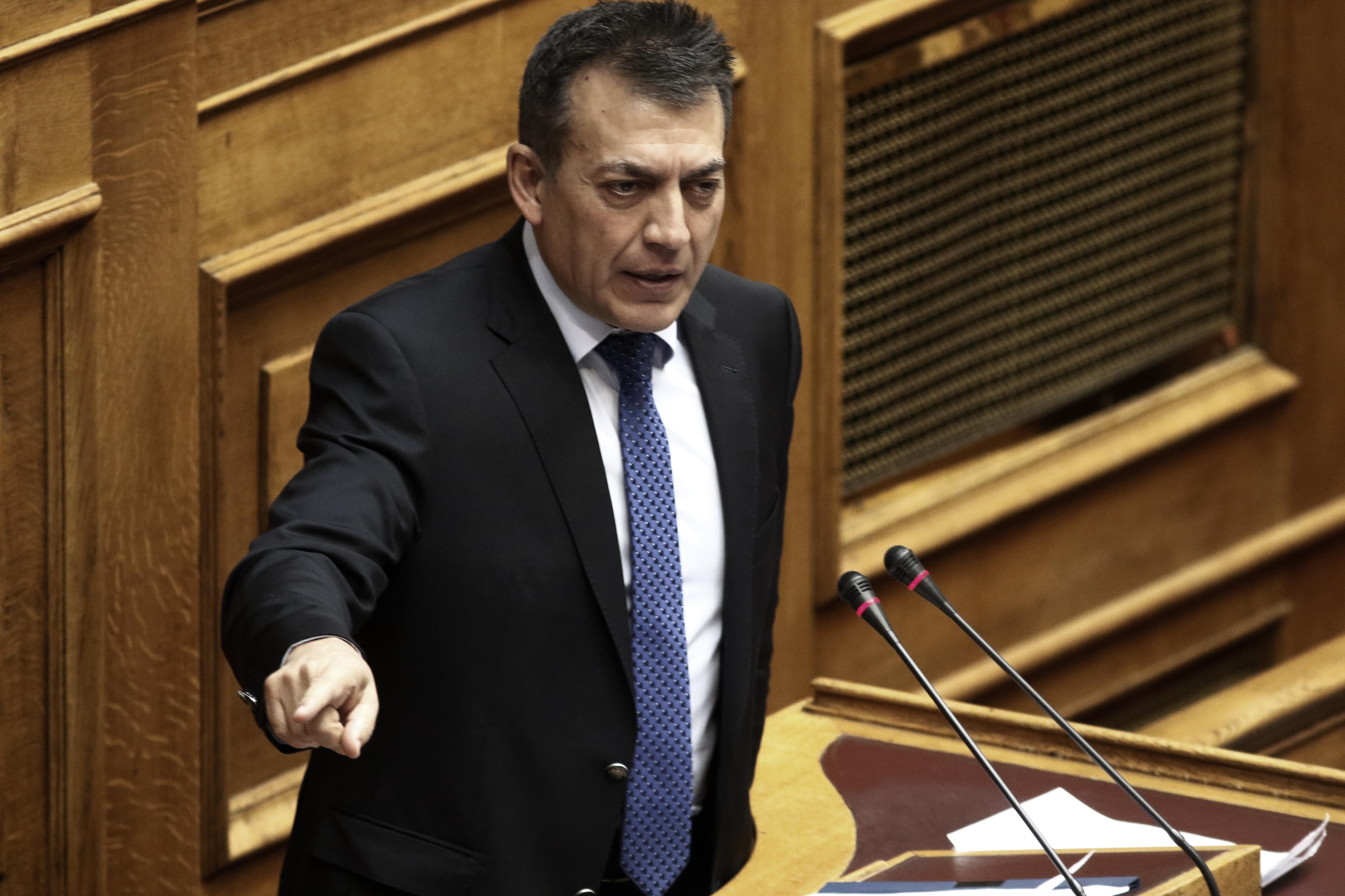 Κόντρα κυβέρνησης – ΝΔ για τις εκκρεμείς αιτήσεις συνταξιοδότησης | tovima.gr