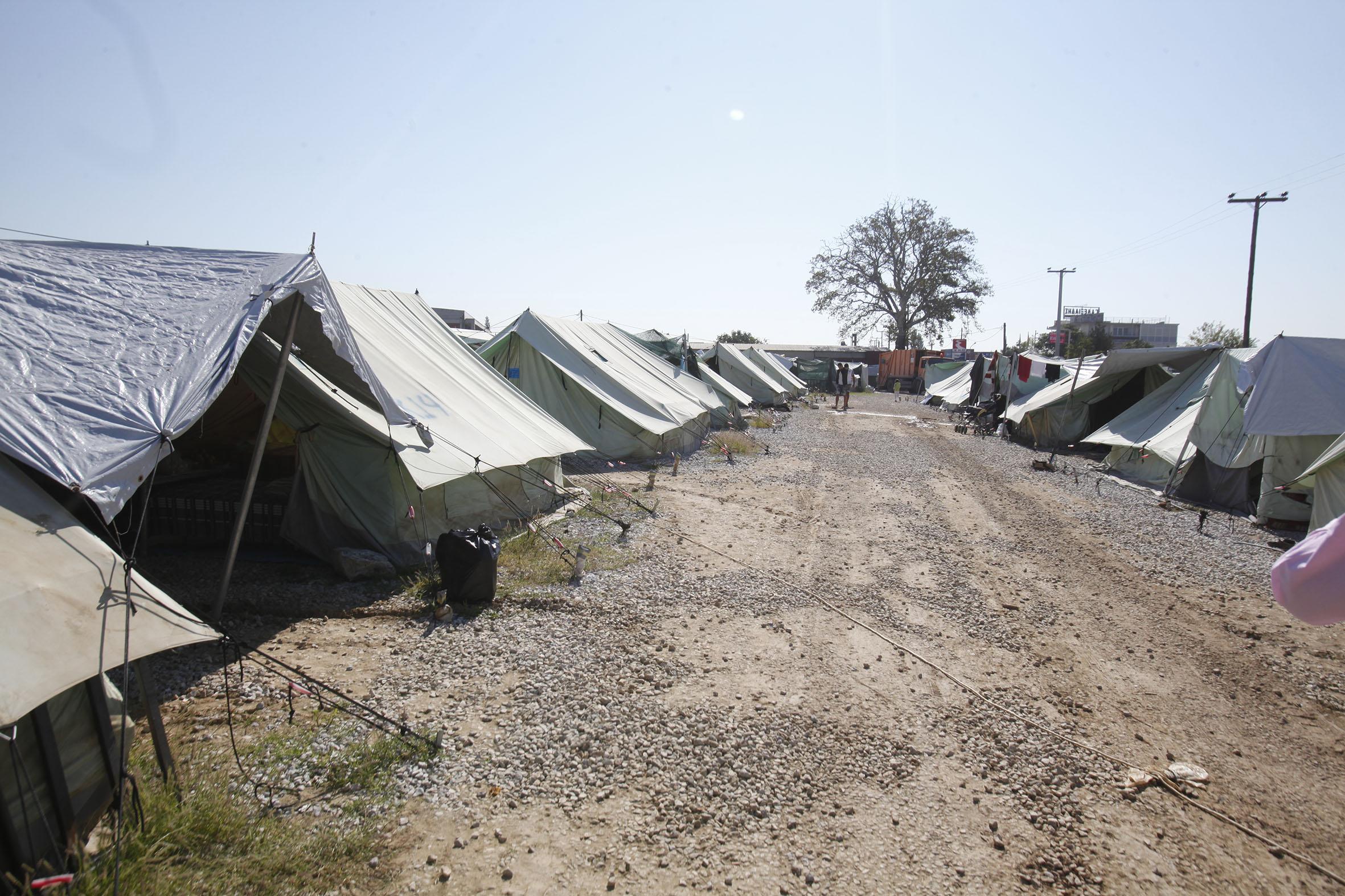 Πρόσφυγες : Υπεράριθμοι στις δομές φιλοξενίας του ΓΕΕΘΑ | tovima.gr