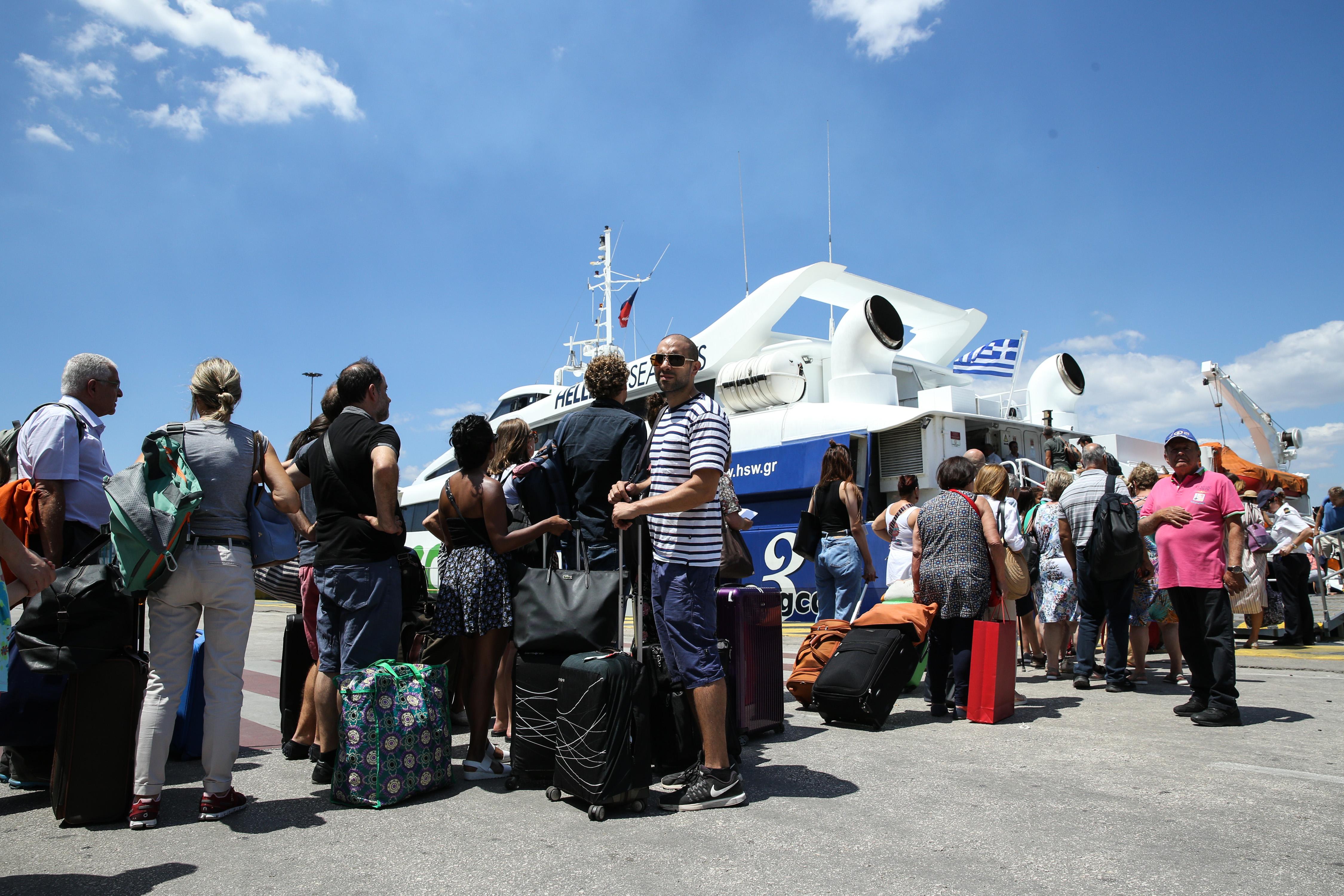 Αλμα 16% των εσόδων από τον τουρισμό τον Ιούνιο | tovima.gr